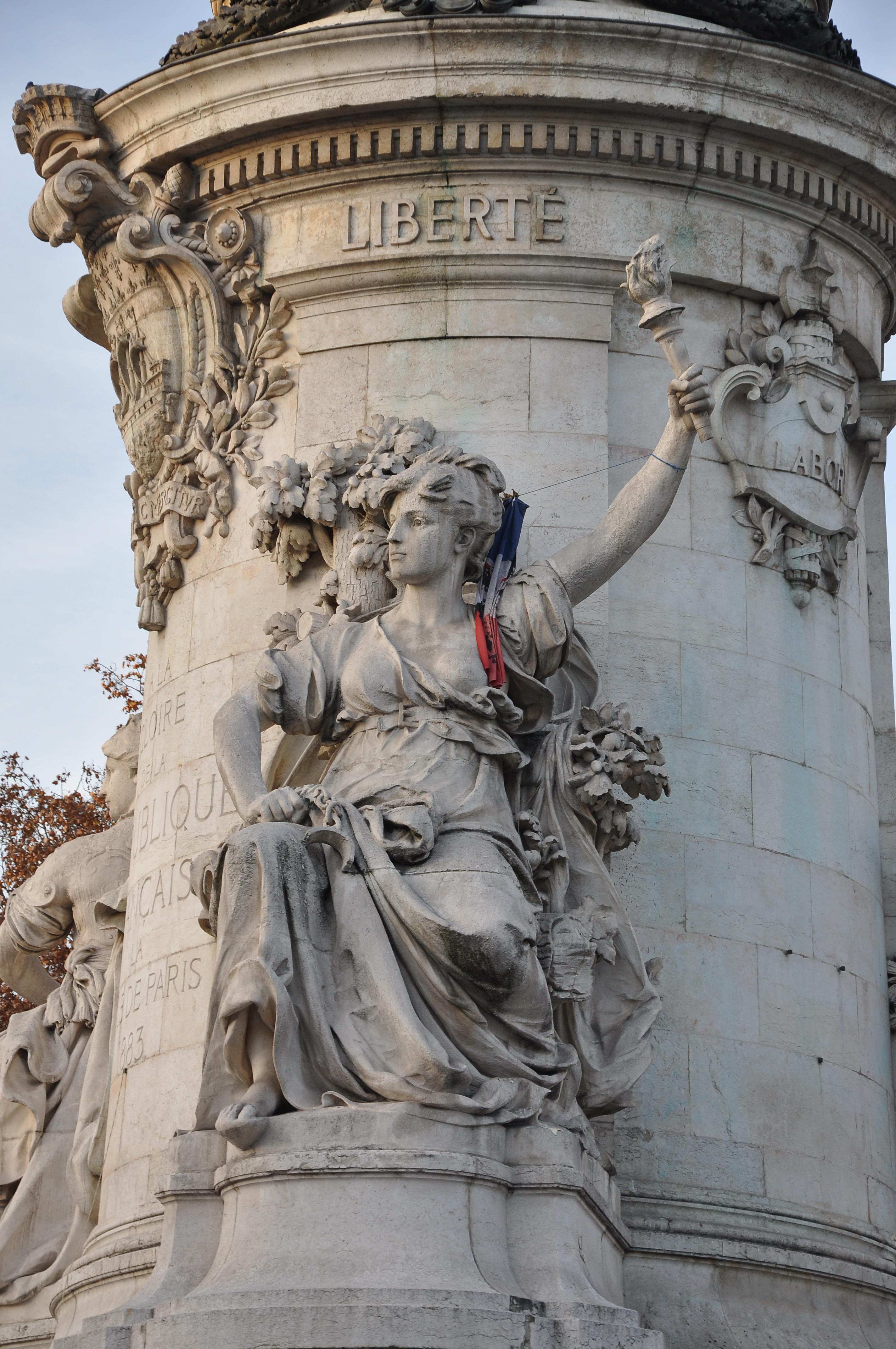 File monument la r publique paris 10e 003 jpg wikimedia commons - La quincaillerie paris 10 ...