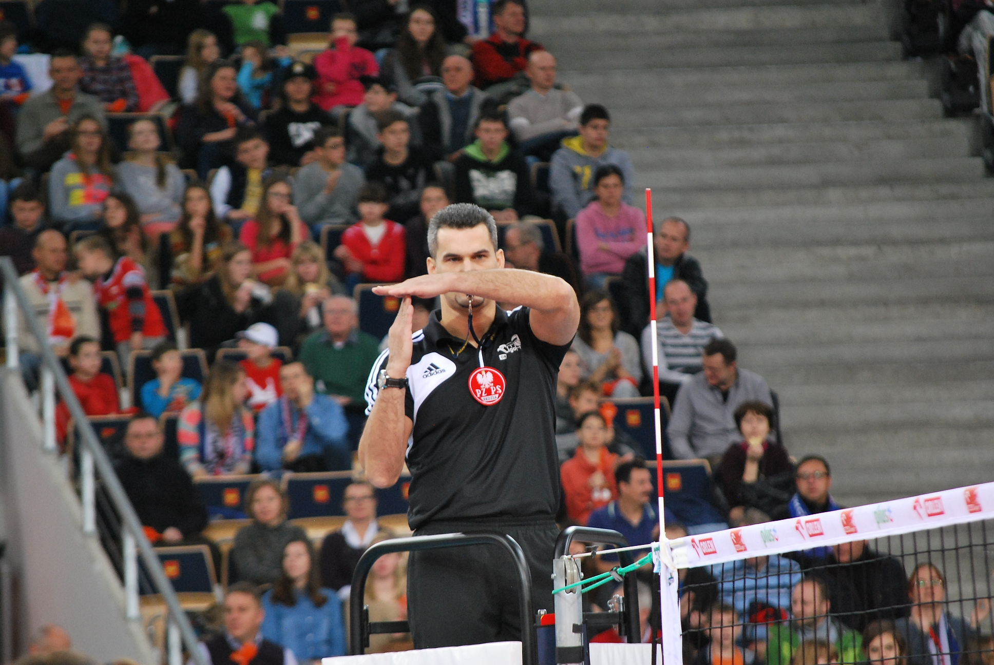 File:Official volleyball signals - time out.jpg - Wikimedia Commons