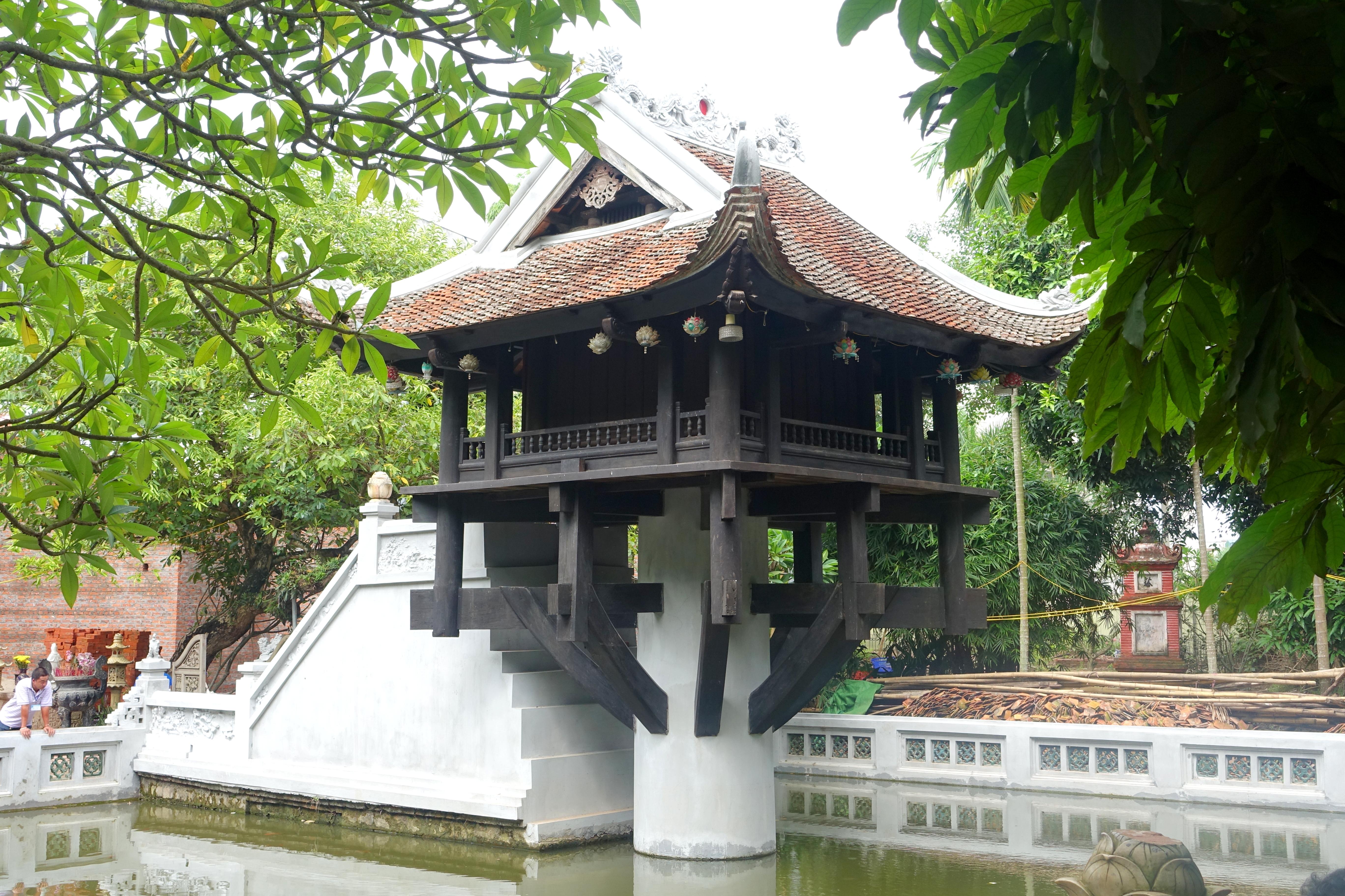 One Pillar Pagoda - Hanoi, Vietnam - DSC03503.JPG