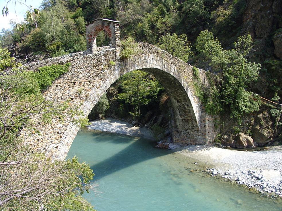 File ponte del diavolo 1 lanzo valli di lanzo 17 agosto for Piani di fondazione del ponte