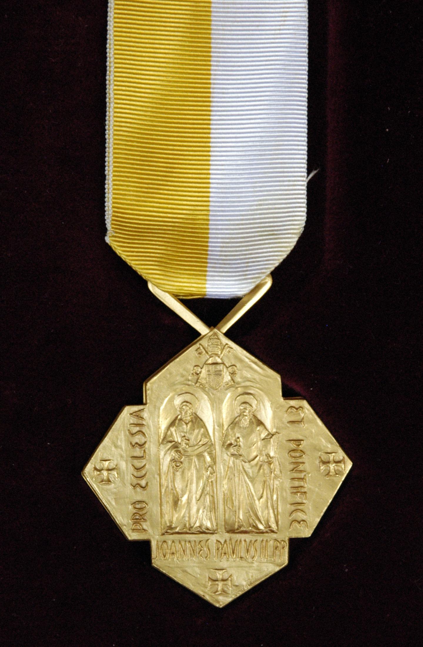 Medalla Pro Ecclesia et Pontifice - Wikipedia, la enciclopedia libre