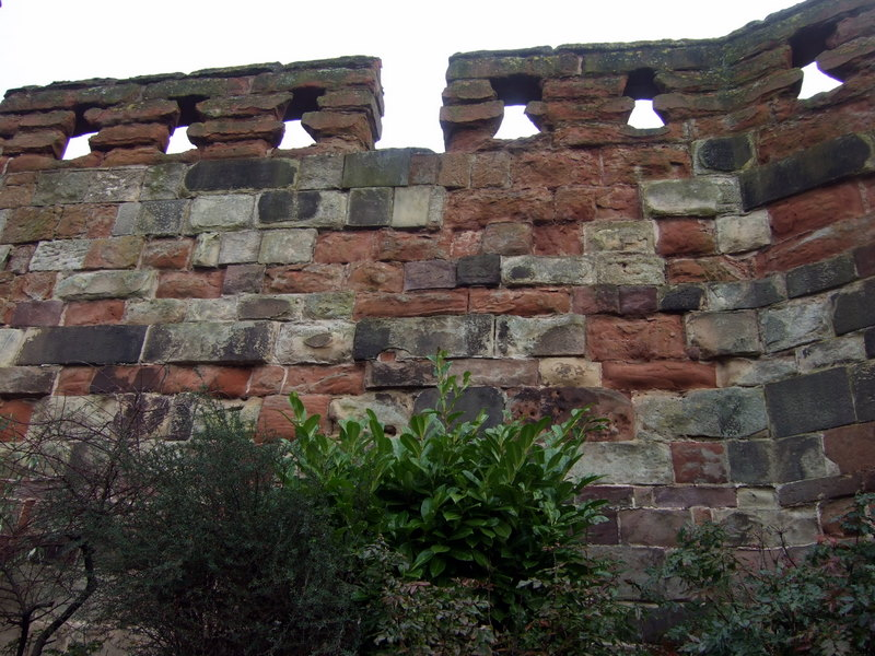 File:Red sandstone castle walls - geograph.org.uk - 1732778.jpg