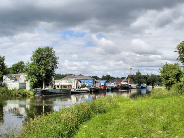 River Weaver - marina and boatyard - geograph.org.uk - 869791
