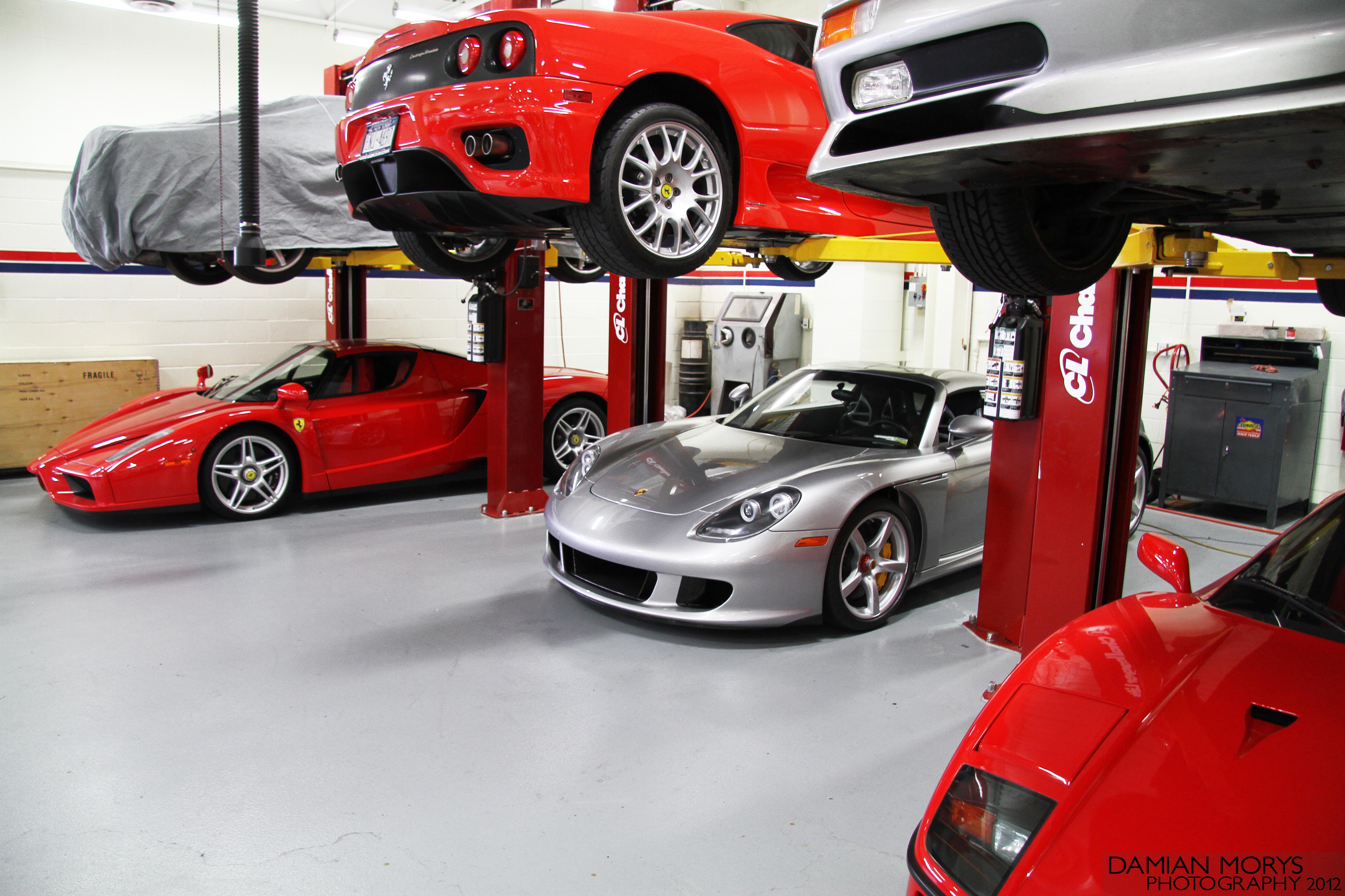File Supercar Garage Jpg Wikimedia Commons