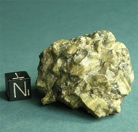 File:Tatahouine Diogenite 72g.jpg