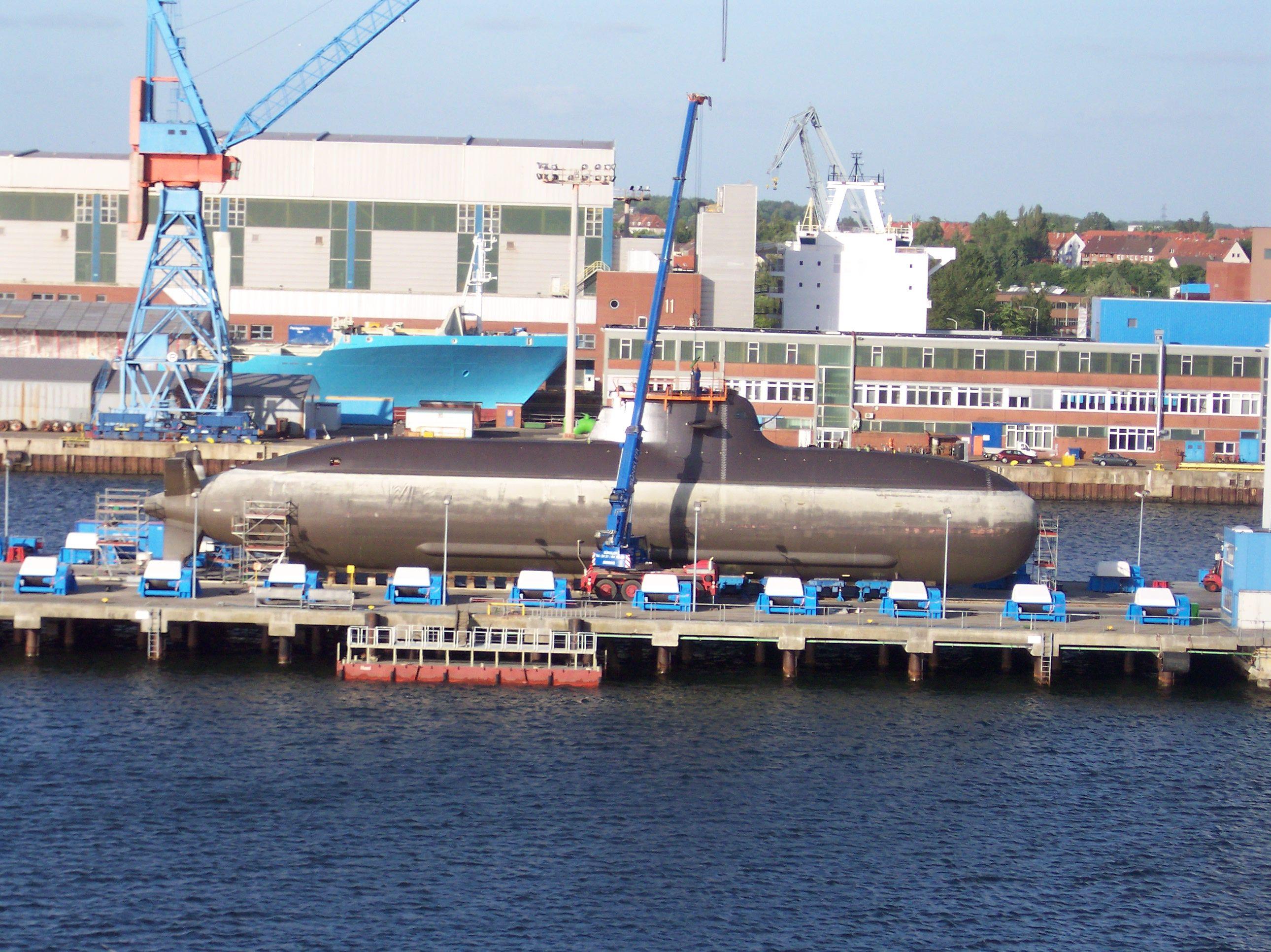 Type 212 Submarine-1.jpg