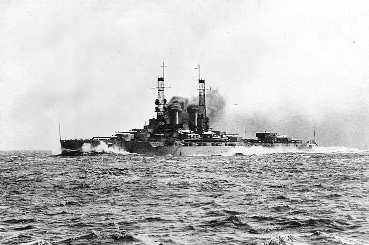 USS_Wyoming_BB-32_circa_1912-13.jpg