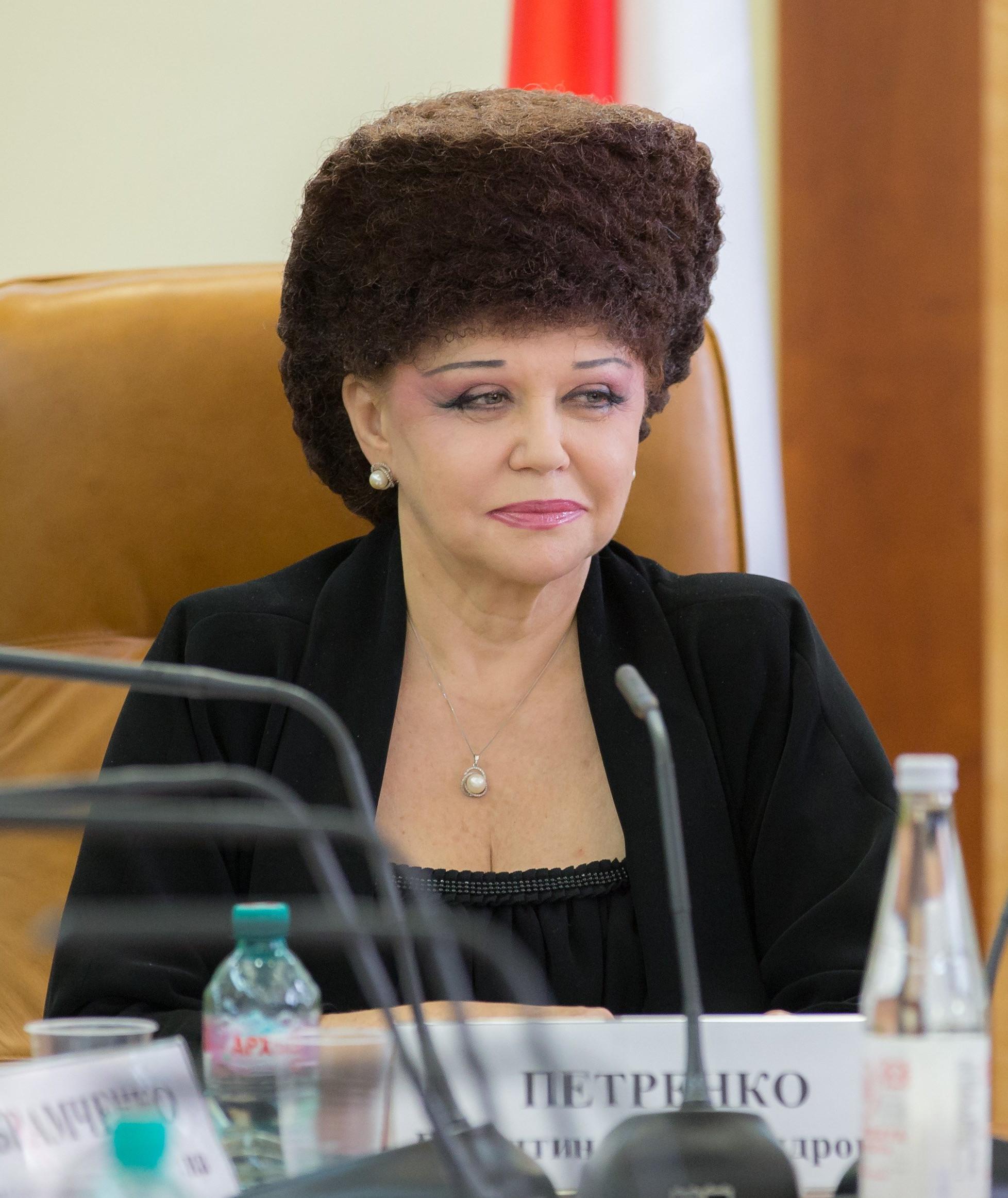 Прически женщин депутатов госдумы