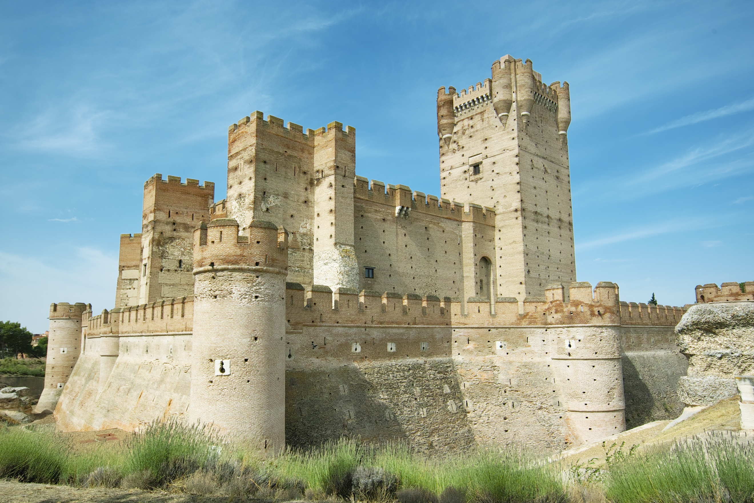 Castle of la mota valladolid spain castles - Spa en medina del campo ...
