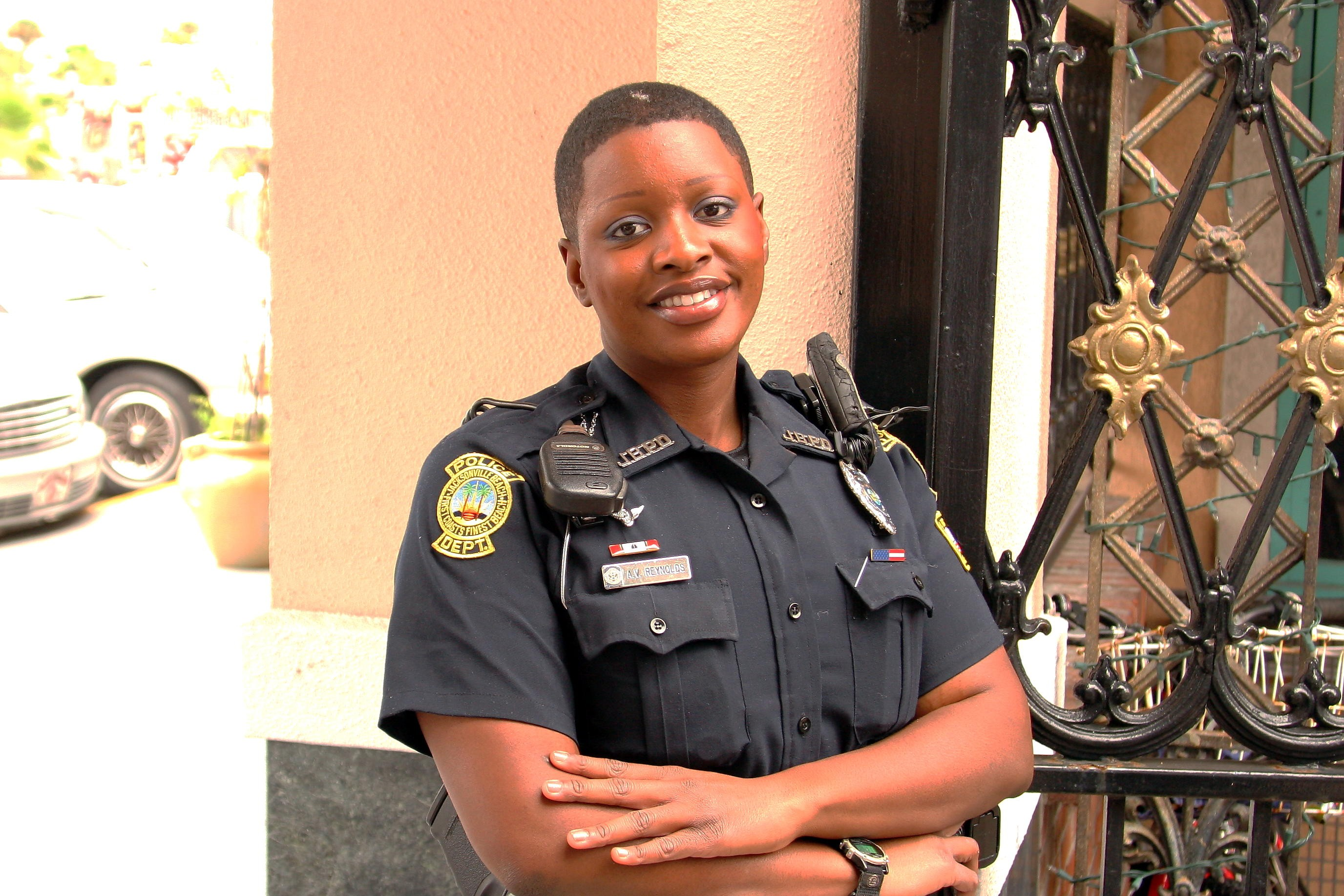 nude-female-law-enforcement-officers