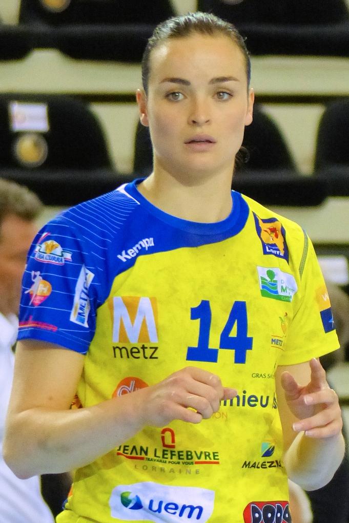 Yvette Broch Wikipedia