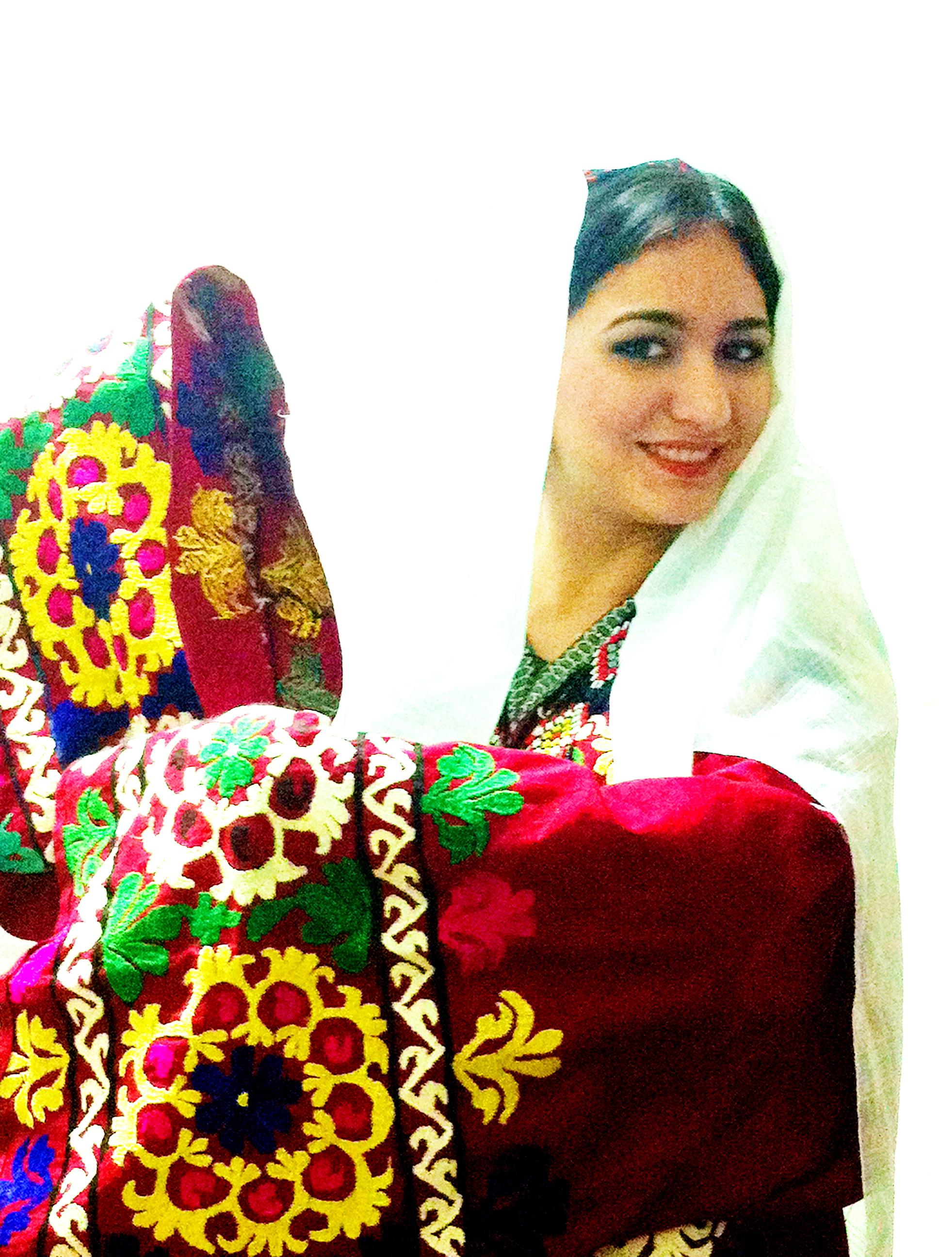 Национальные девушки таджикистана фото