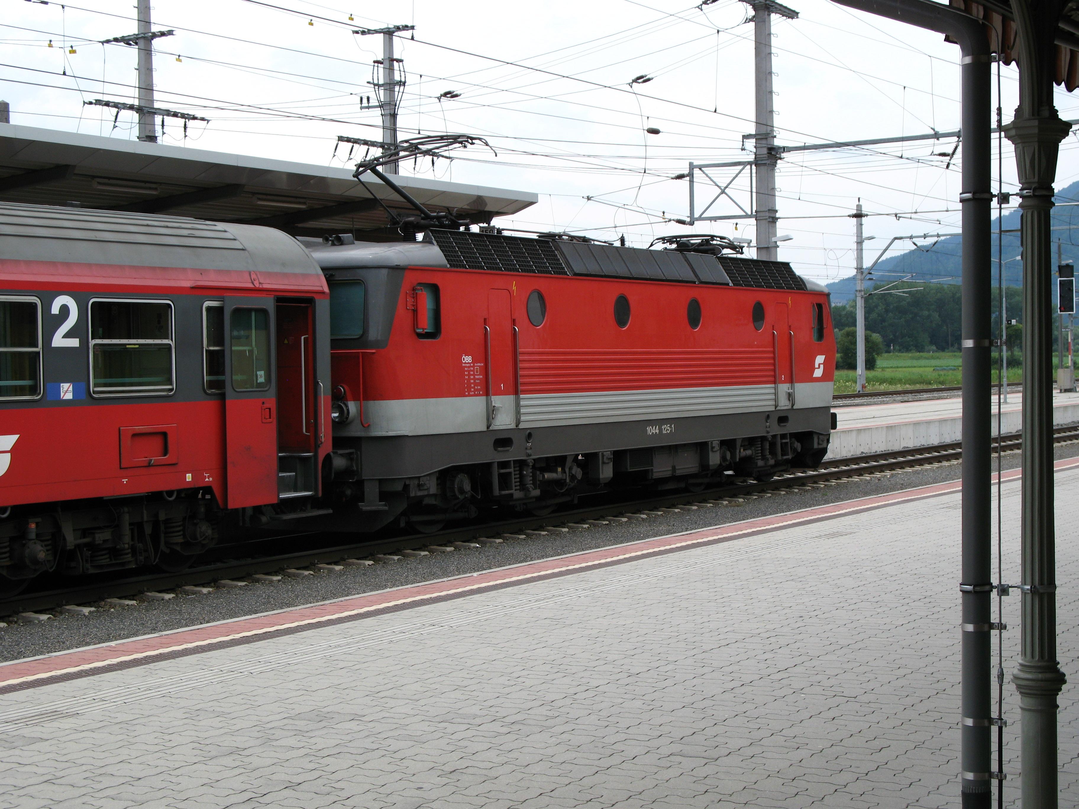 File:0671 - Stainach-Irding - ÖBB Class 1044.JPG