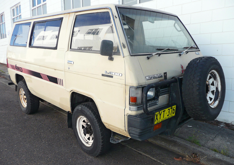 Description 1985 Mitsubishi L300 Express (SD) 4WD van (2009-11-14) 01 ...