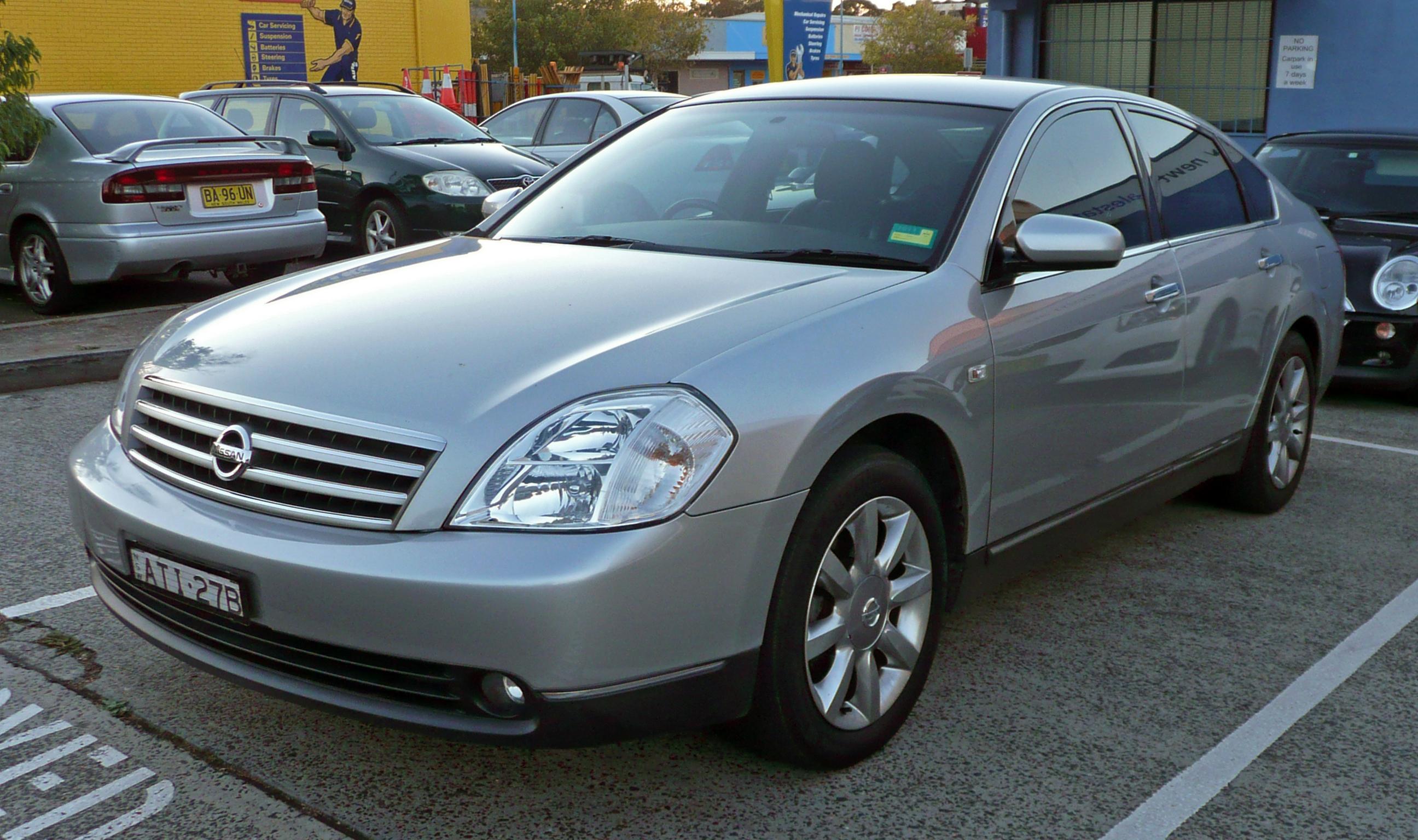 New Nissan Maxima >> File:2003-2006 Nissan Maxima (J31) Ti sedan (2010-05-10).jpg - Wikimedia Commons