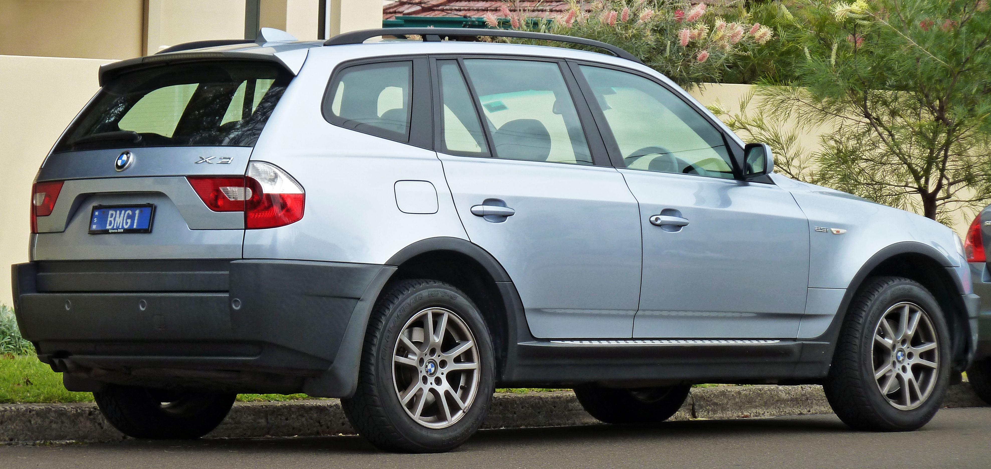 File2004 2006 BMW X3 E83 25i Wagon 01