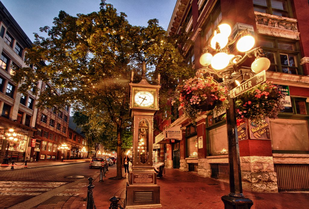 [Hình: 8215_2012-07-16_Gastown_HDR_part_perspec...wn_HDR.jpg]