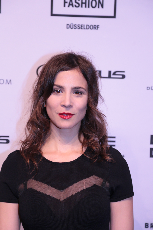 """34-letnia , 167 cm wzrostu Aylin Tezel na zdjęciu z 2018"""""""