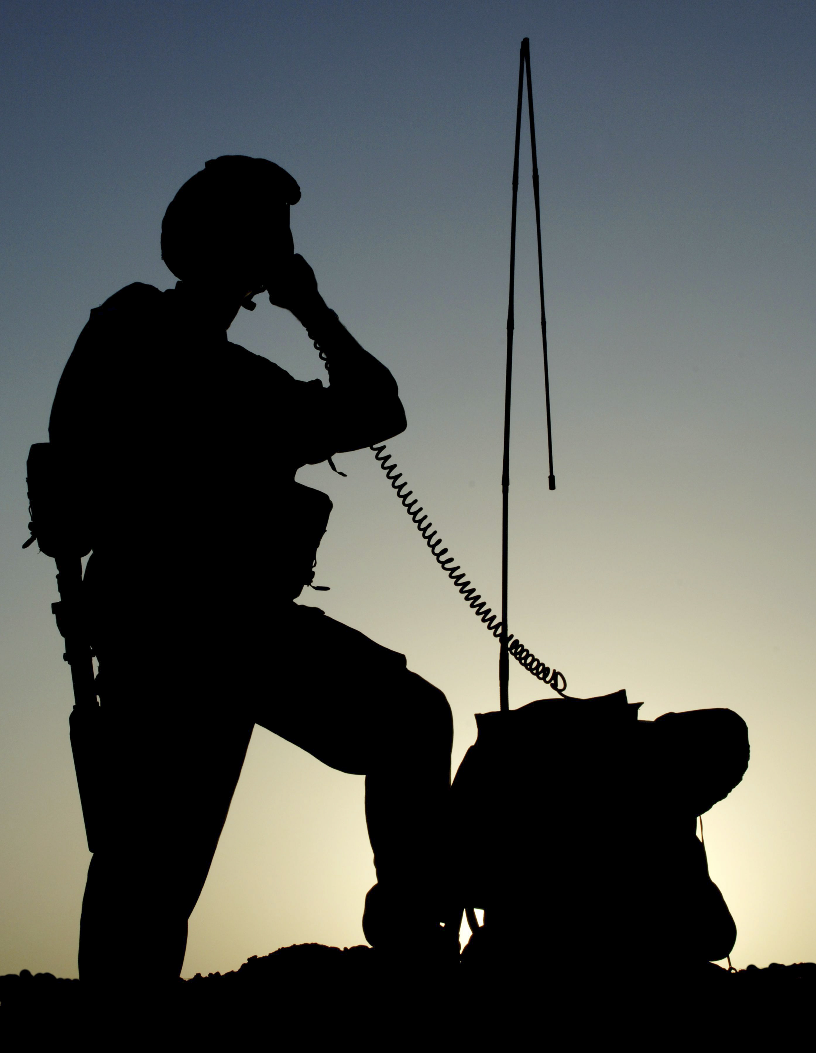File:A member of 216 Sigs Sqn operates Bowman 325 HF man pack radio