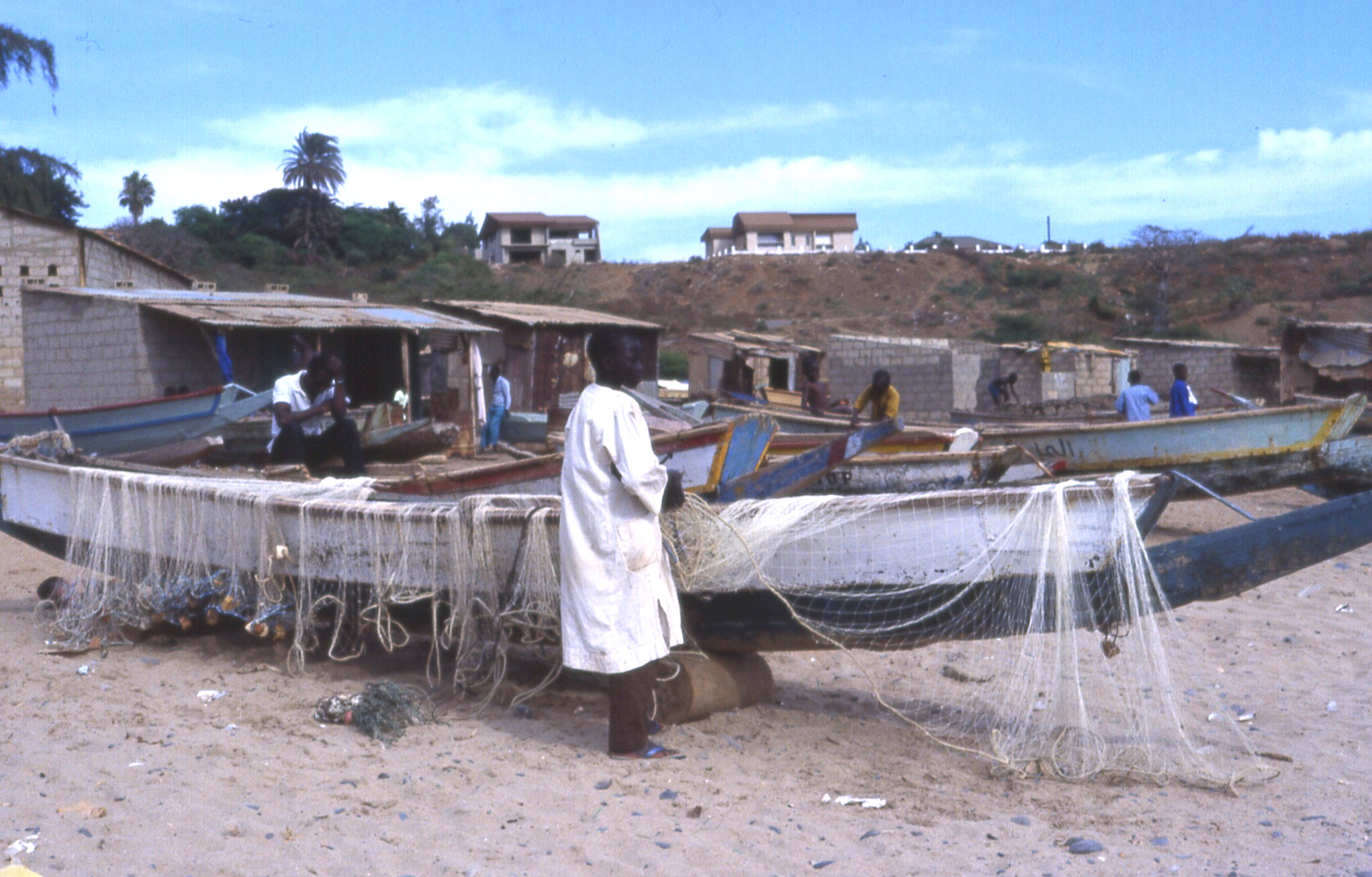 African Fishing Boat File:african Fishing Boats 02