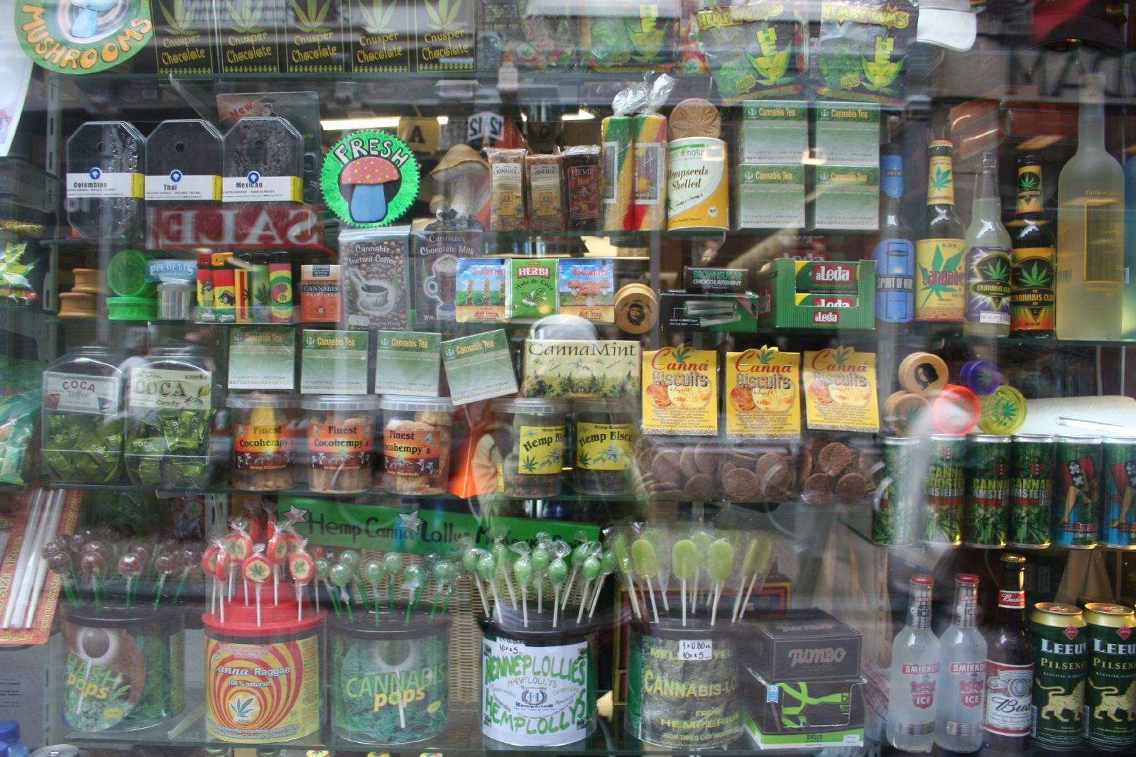 [Image: Amsterdam-420-cannabis-products-window.jpg]