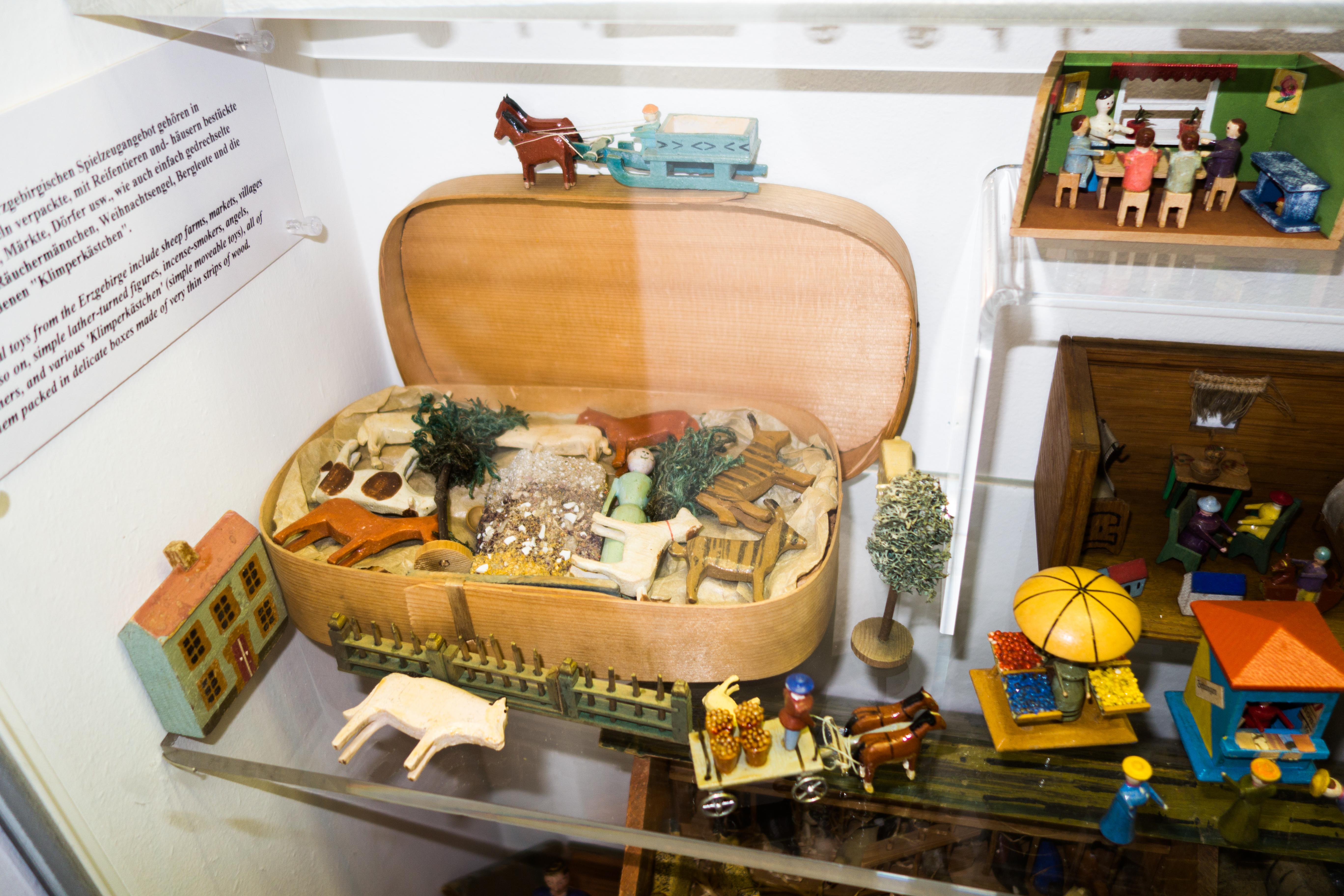 Fileantique Wooden Farm Toys In Original Box 26453161080jpg