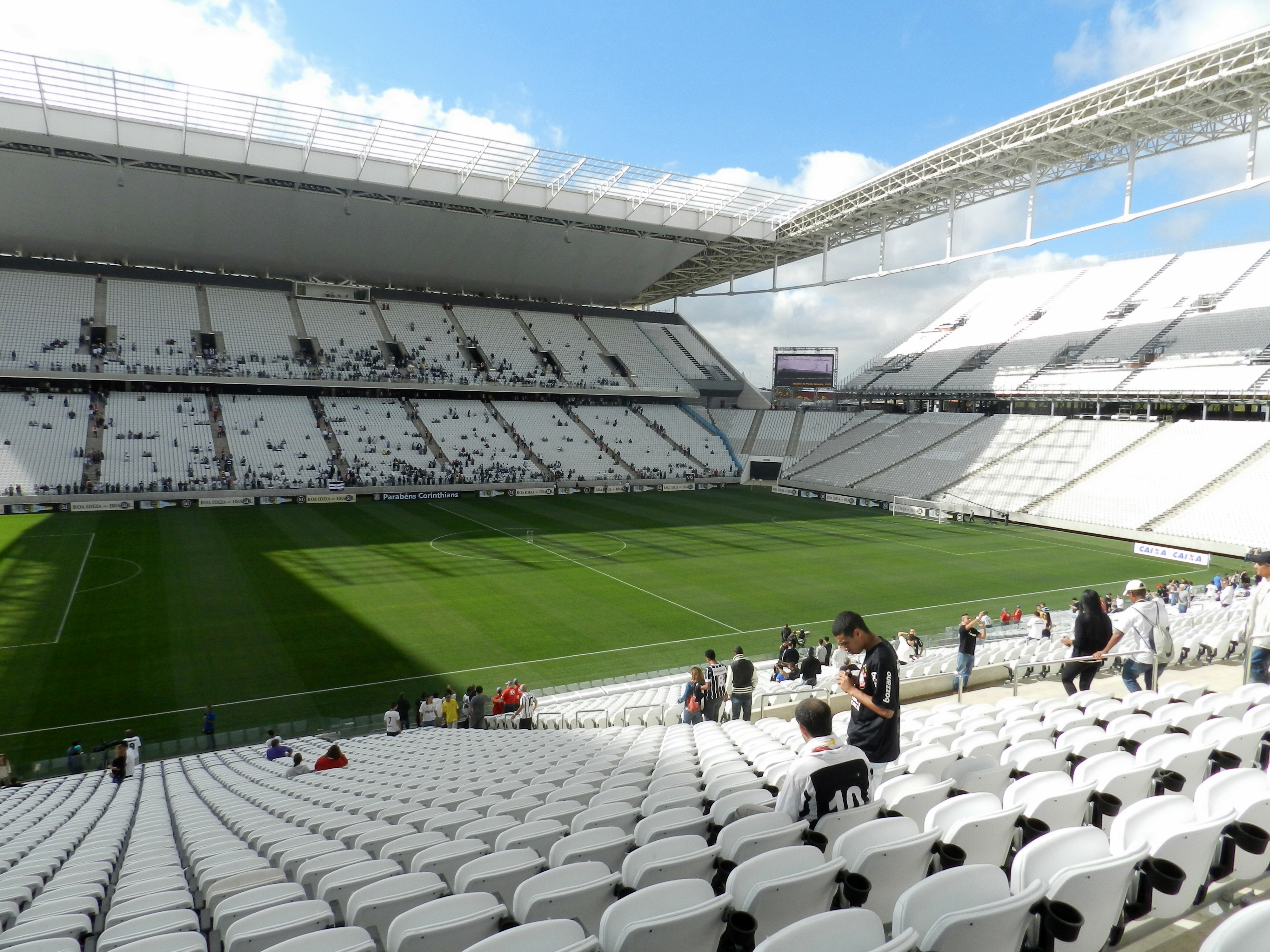 File arena corinthians wikipedia for Piso 0 inferior estadio da luz