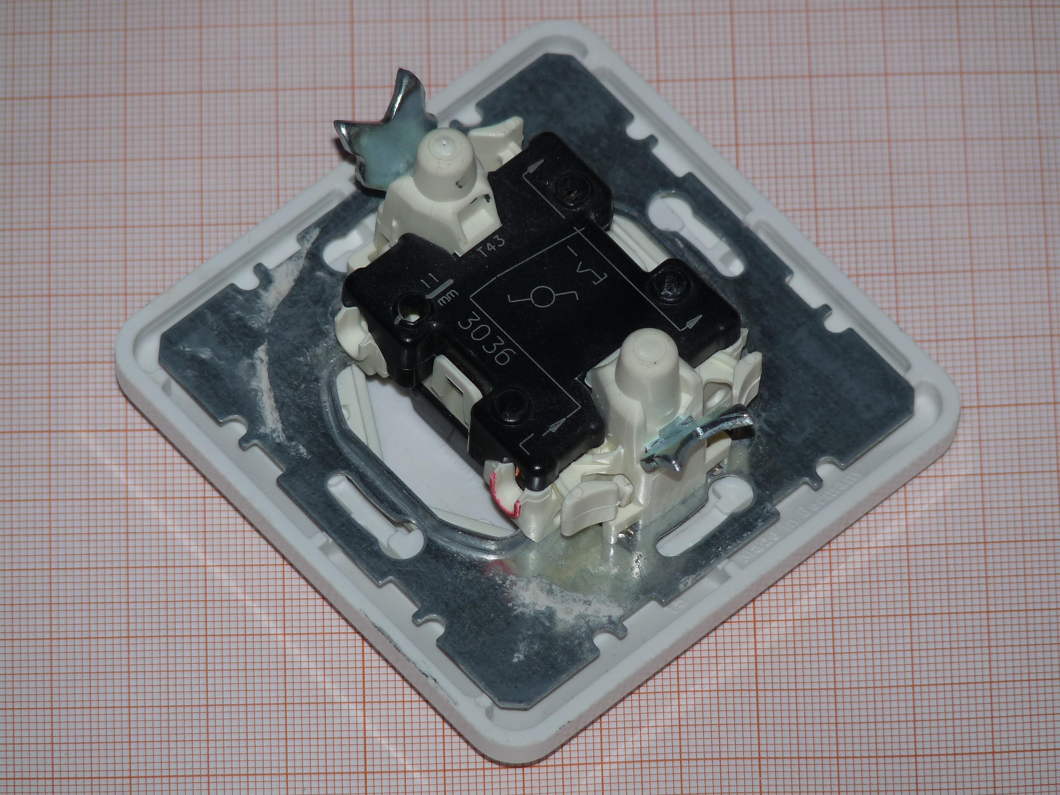 File:BERKER multiway light switch.JPG - Wikimedia Commons