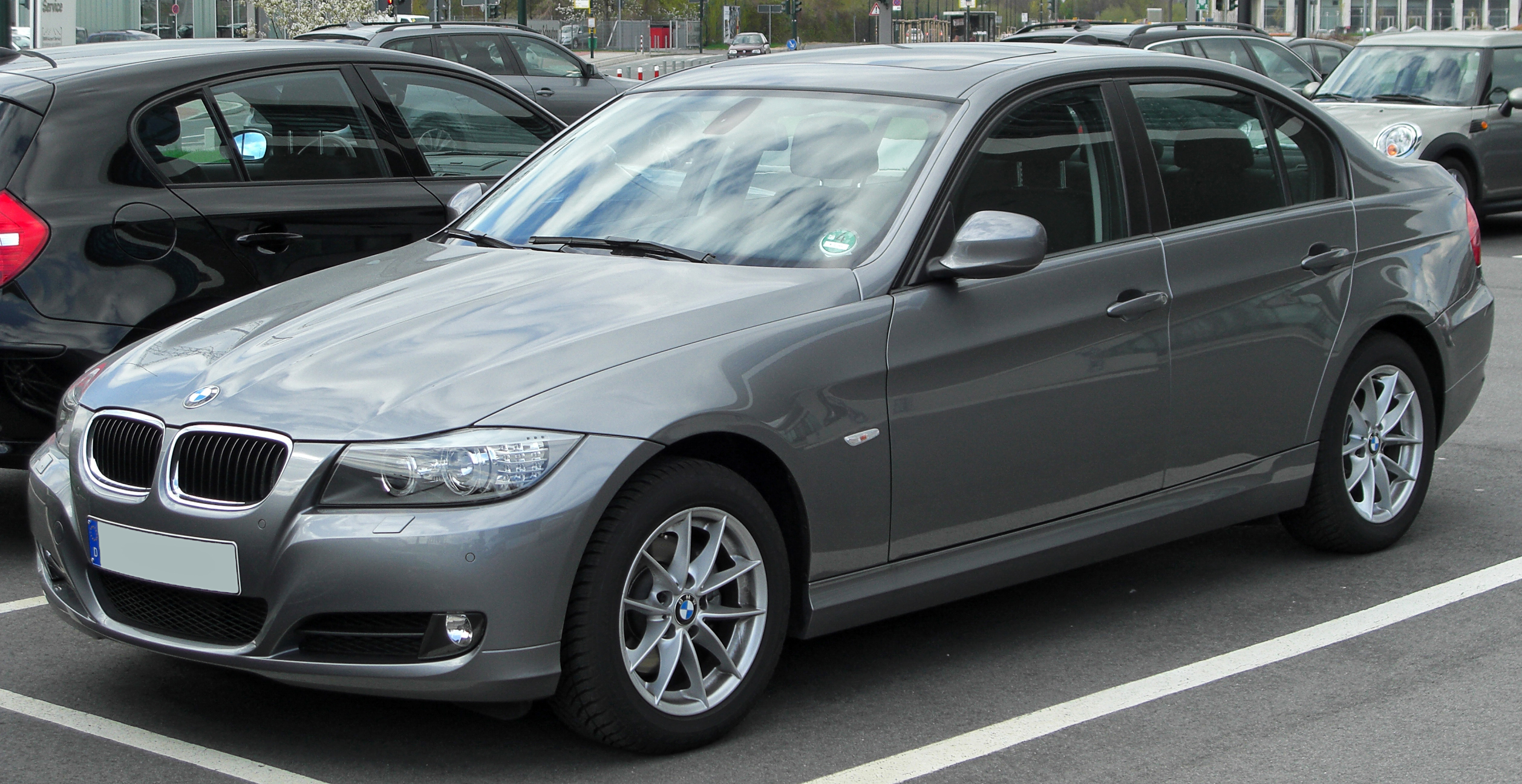File Bmw 320i E90 Facelift Front 20100410 Jpg Wikimedia Commons