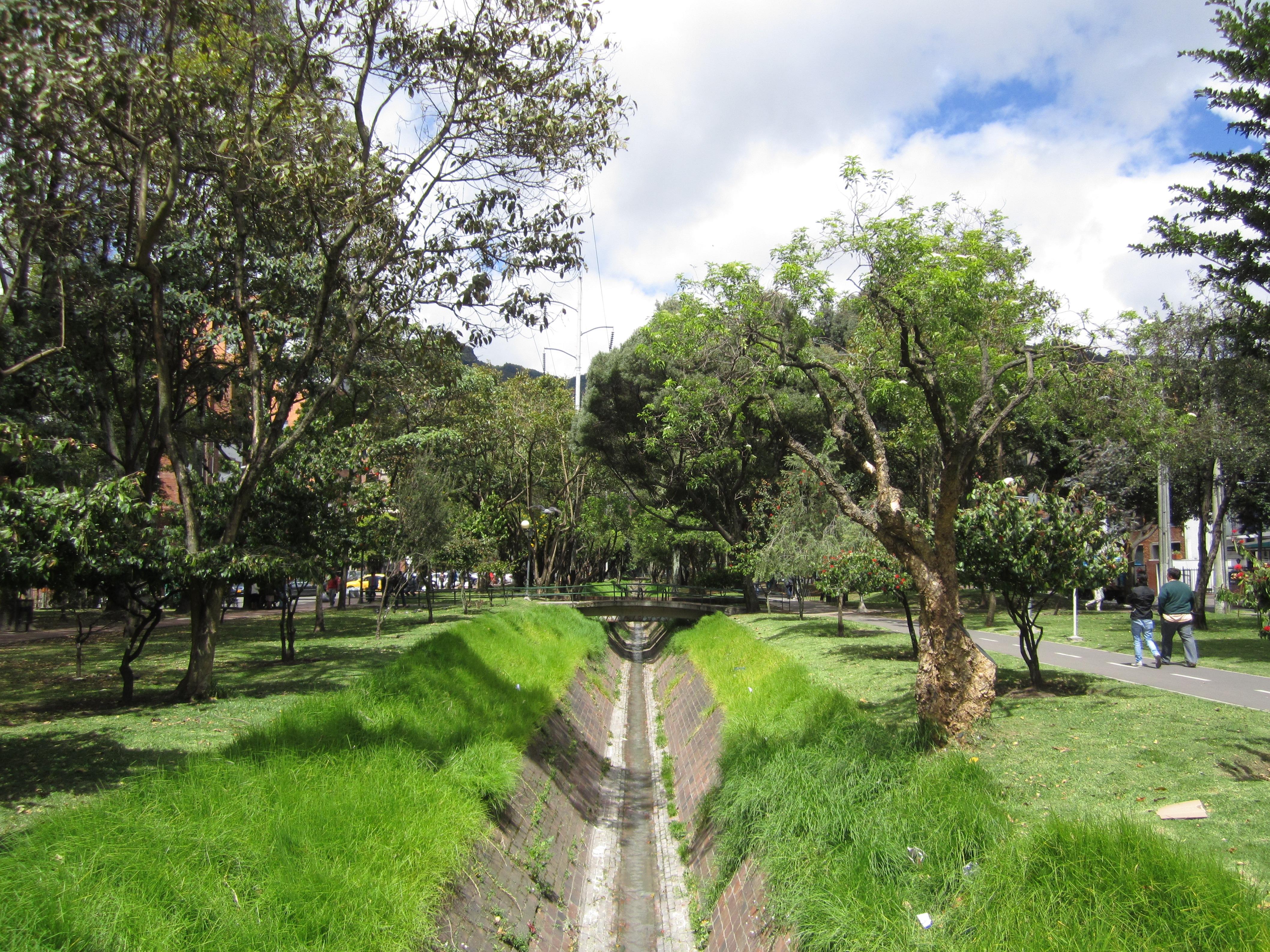 File barrio chic quebrada el virrey bogot jpg for Barrio ciudad jardin norte bogota