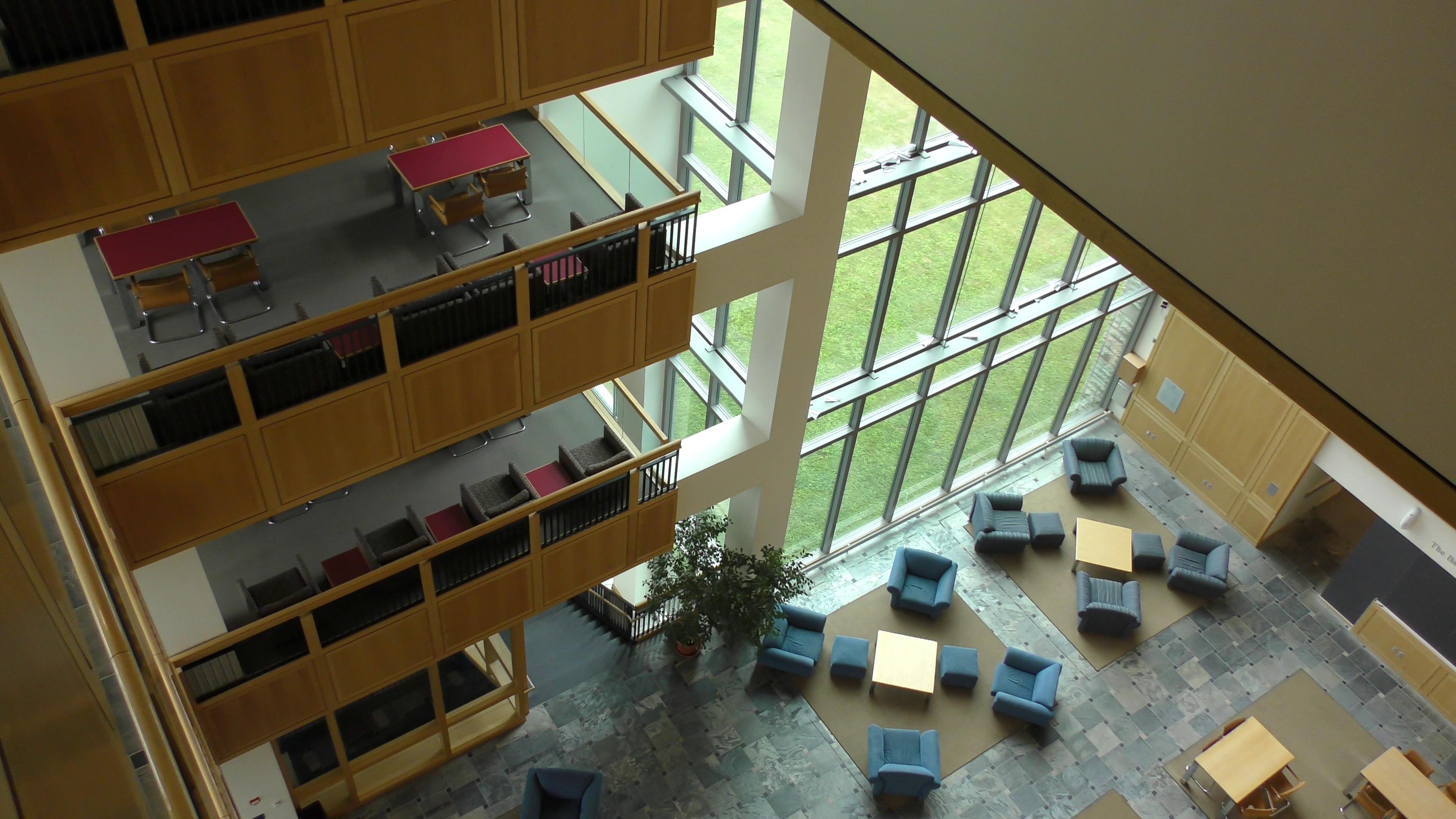 File:Bicentennial Hall 1999 10.jpg - Wikimedia Commons