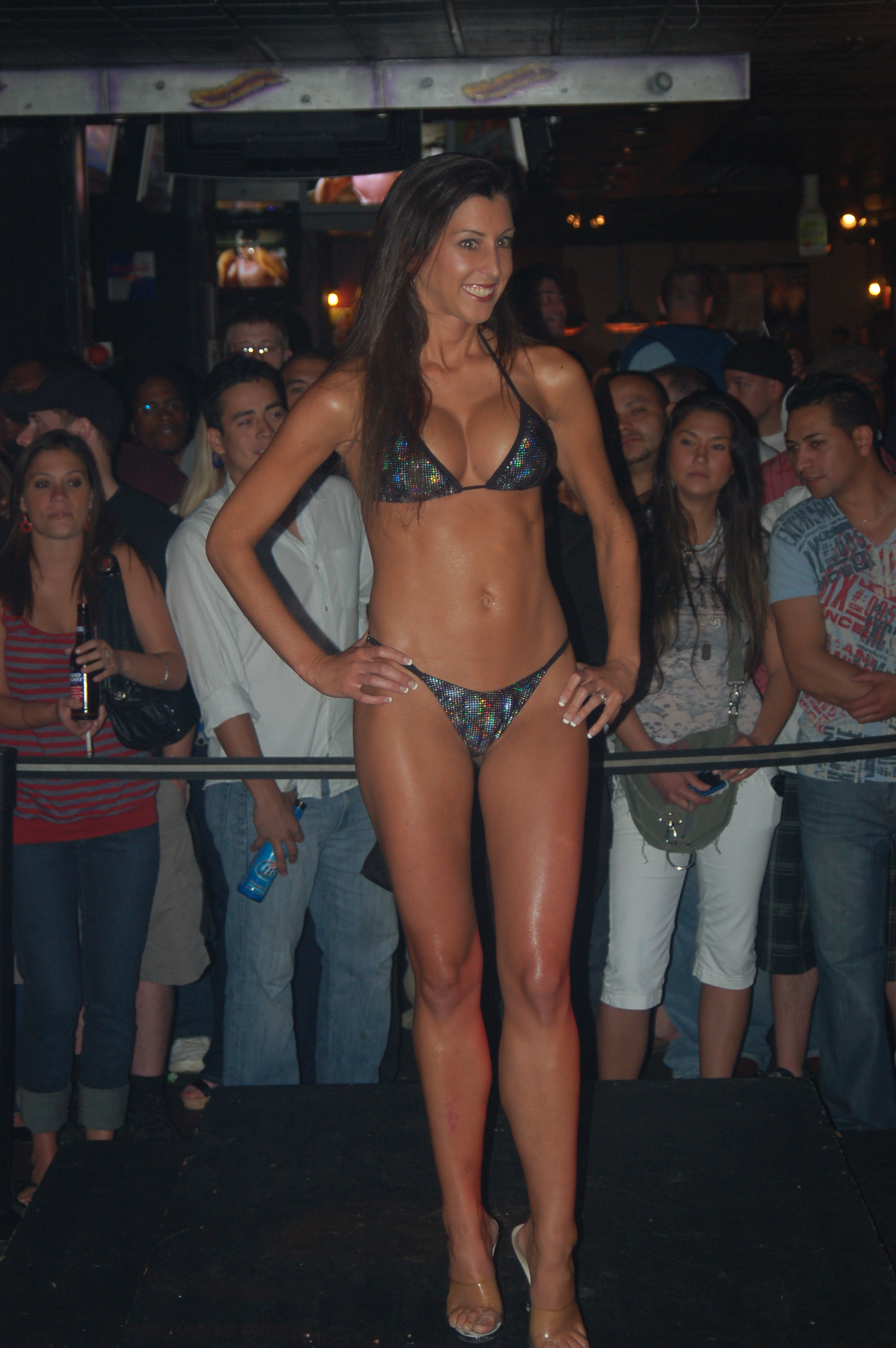 File:Bridges Bikini Contest 1.jpg