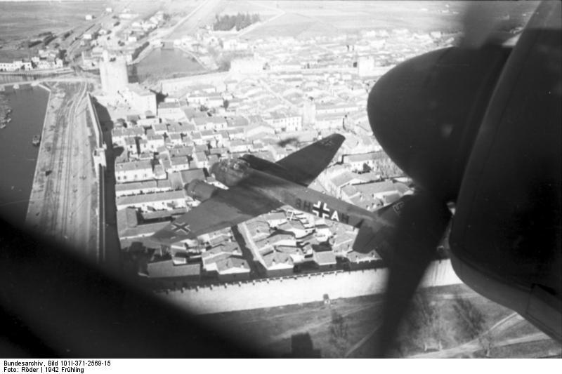 Zwei Ju 88 der Aufklärungsgruppe 33