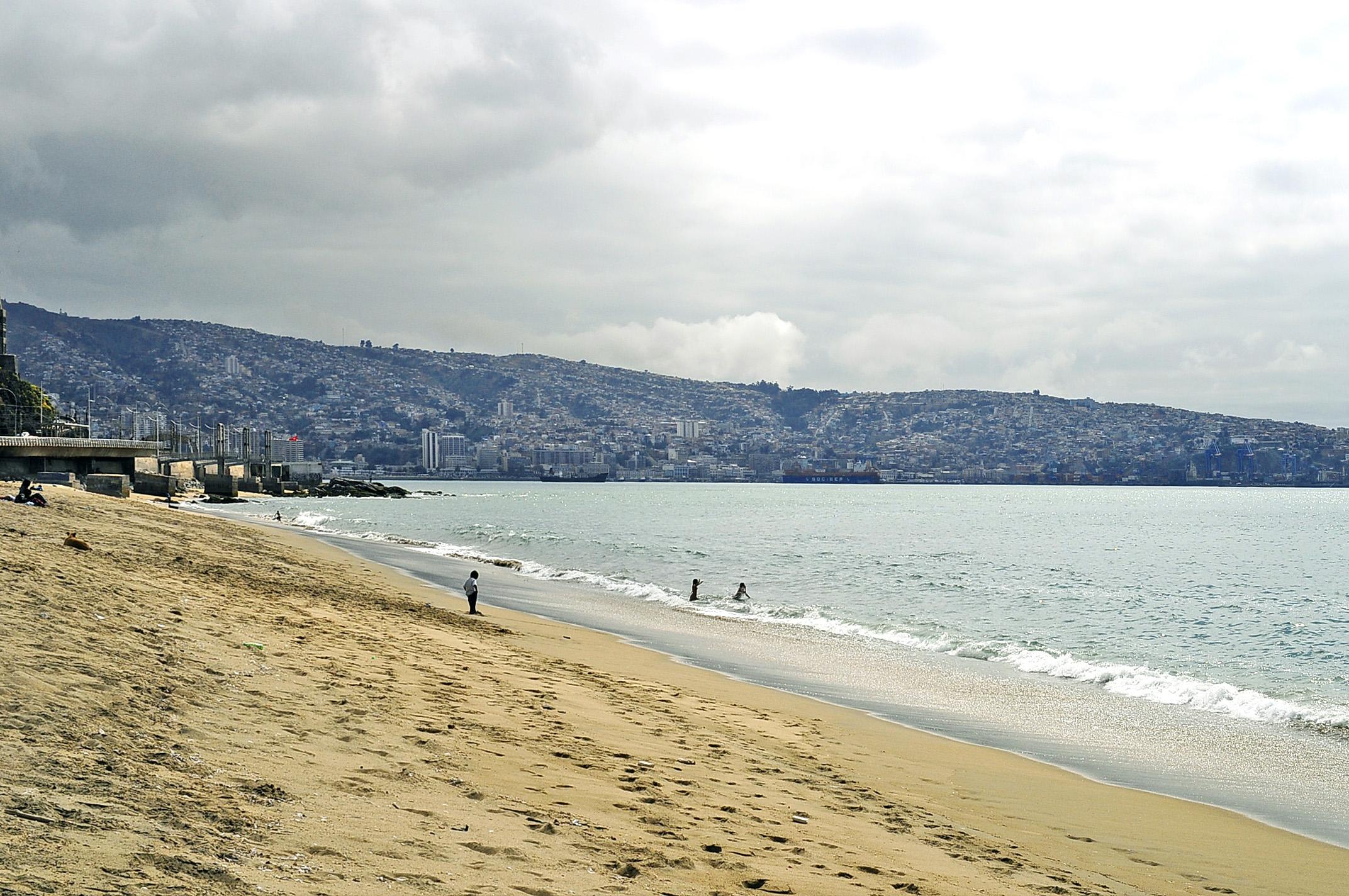 Playa Caleta Portales, importante praia de Valparaíso