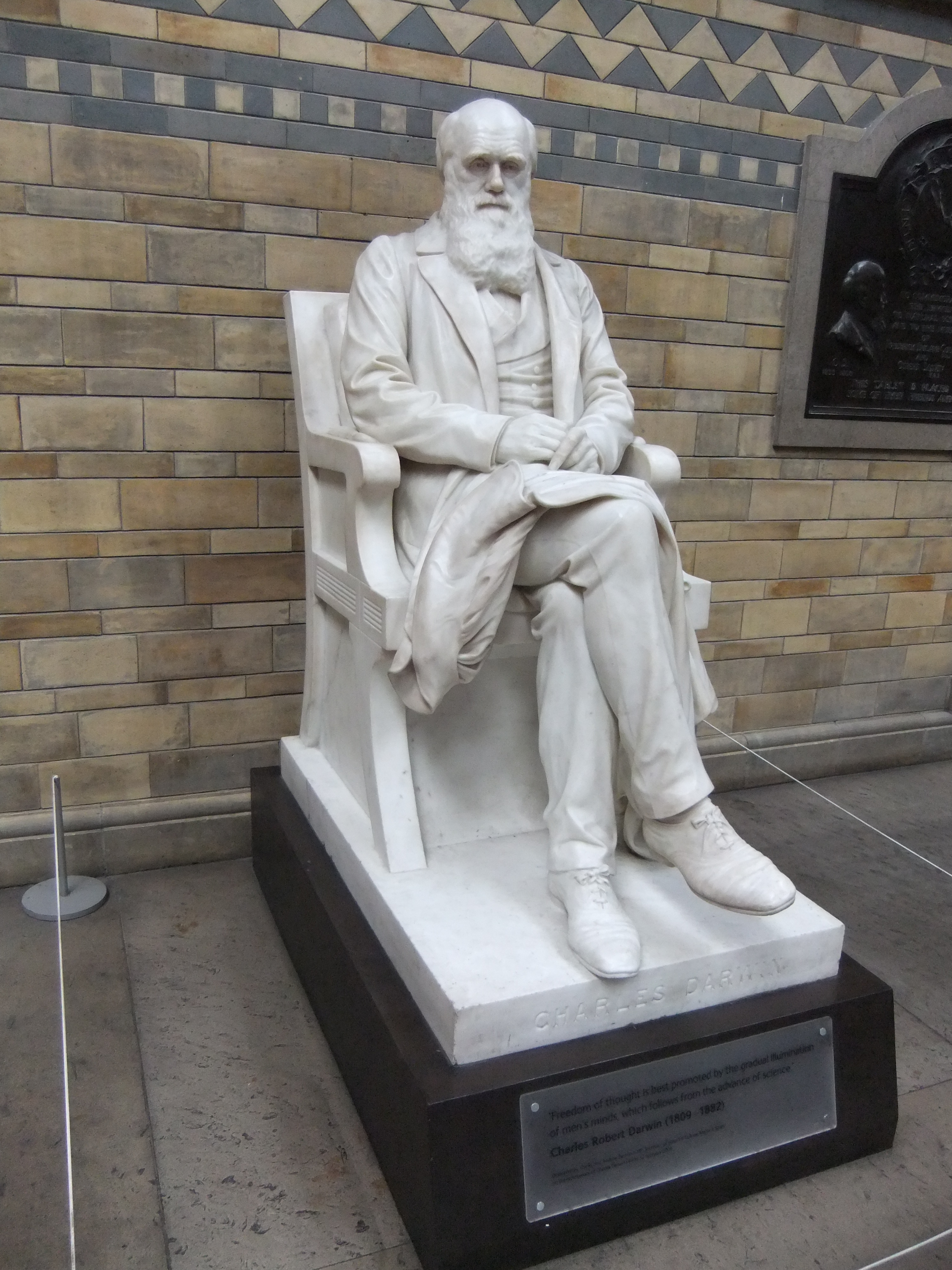 Statue In Front Of Museum Of Natural History