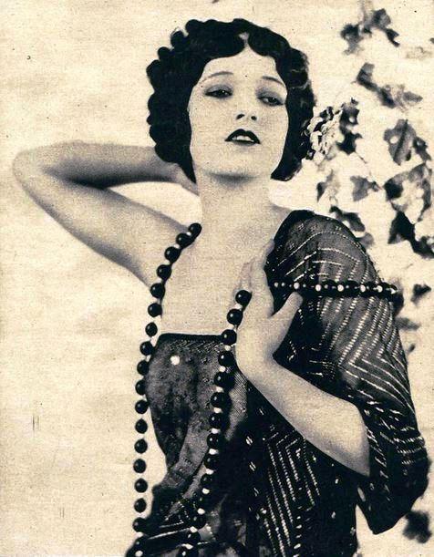 Dorothy_Manners_-_Dec_1922_Screenland.jpg