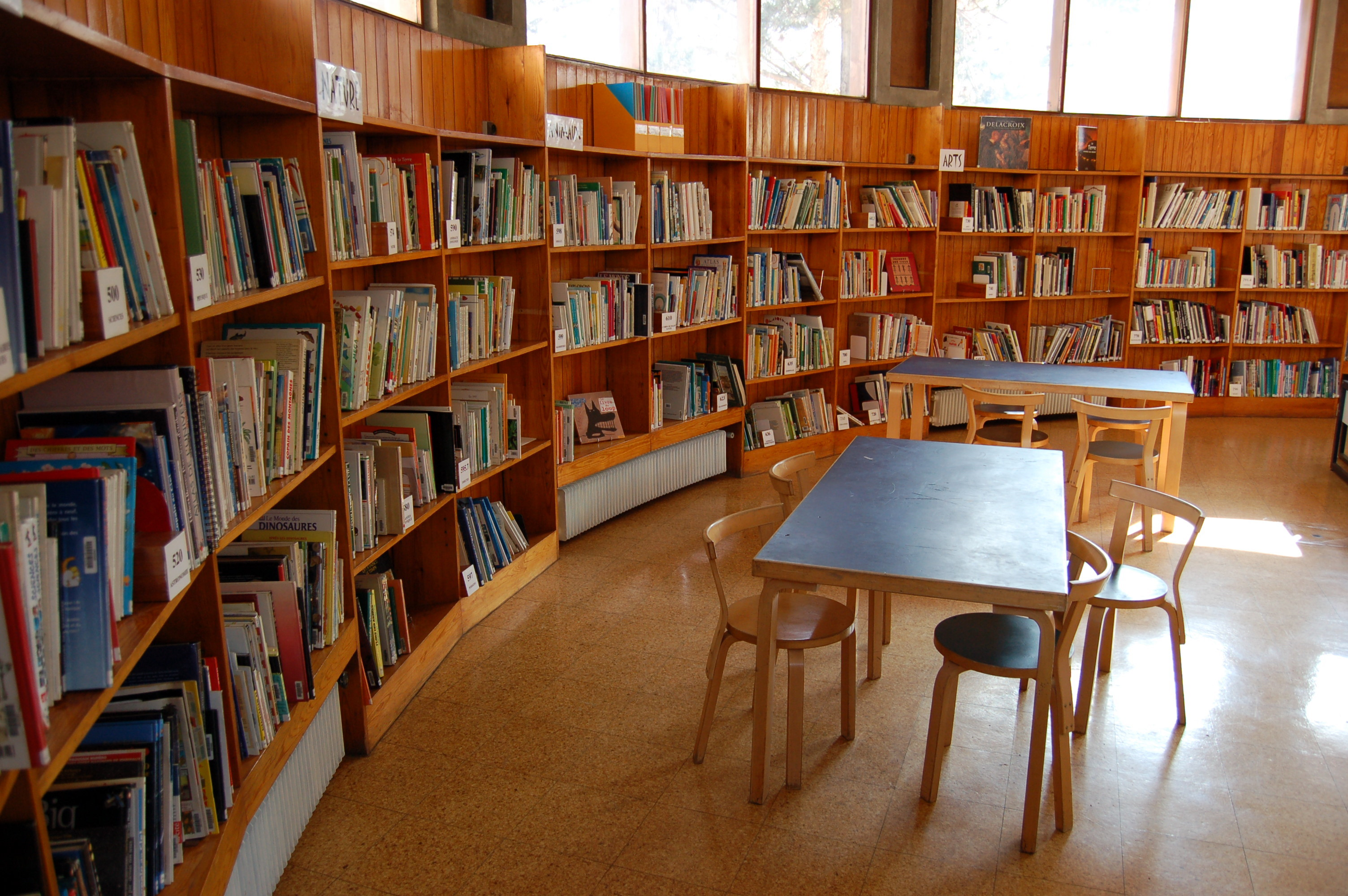 File etag res 1 petite biblioth que wikimedia commons - Etagere petite profondeur ...