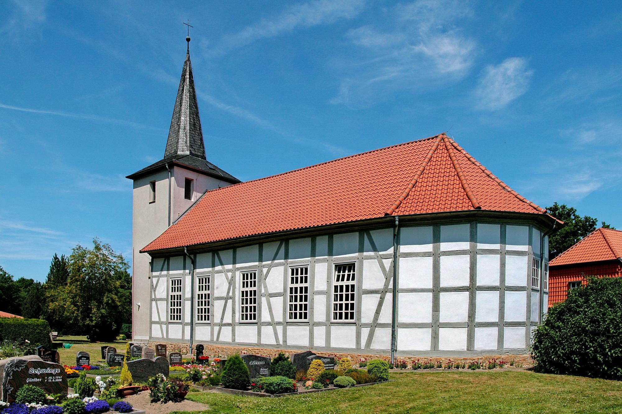 Datei:Fachwerkkirche in Dedenhausen (Uetze) IMG 0015.JPG – Wikipedia