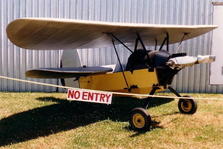 File:FlyingFleaCanadianMuseumOfFlight23July1988.jpg