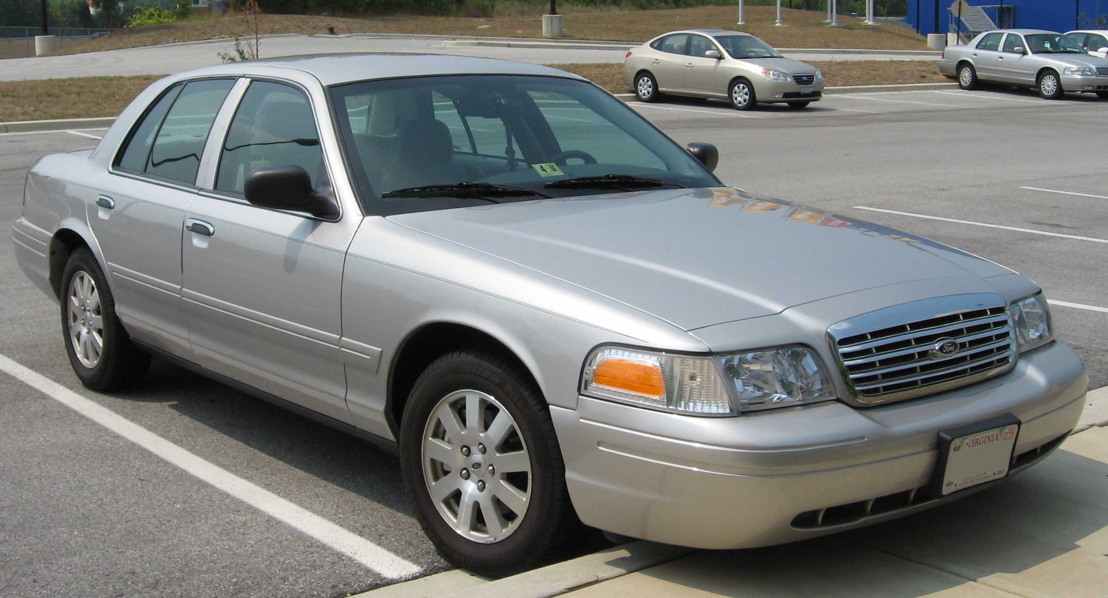 File Ford Crown Victoria Jpg Wikipedia