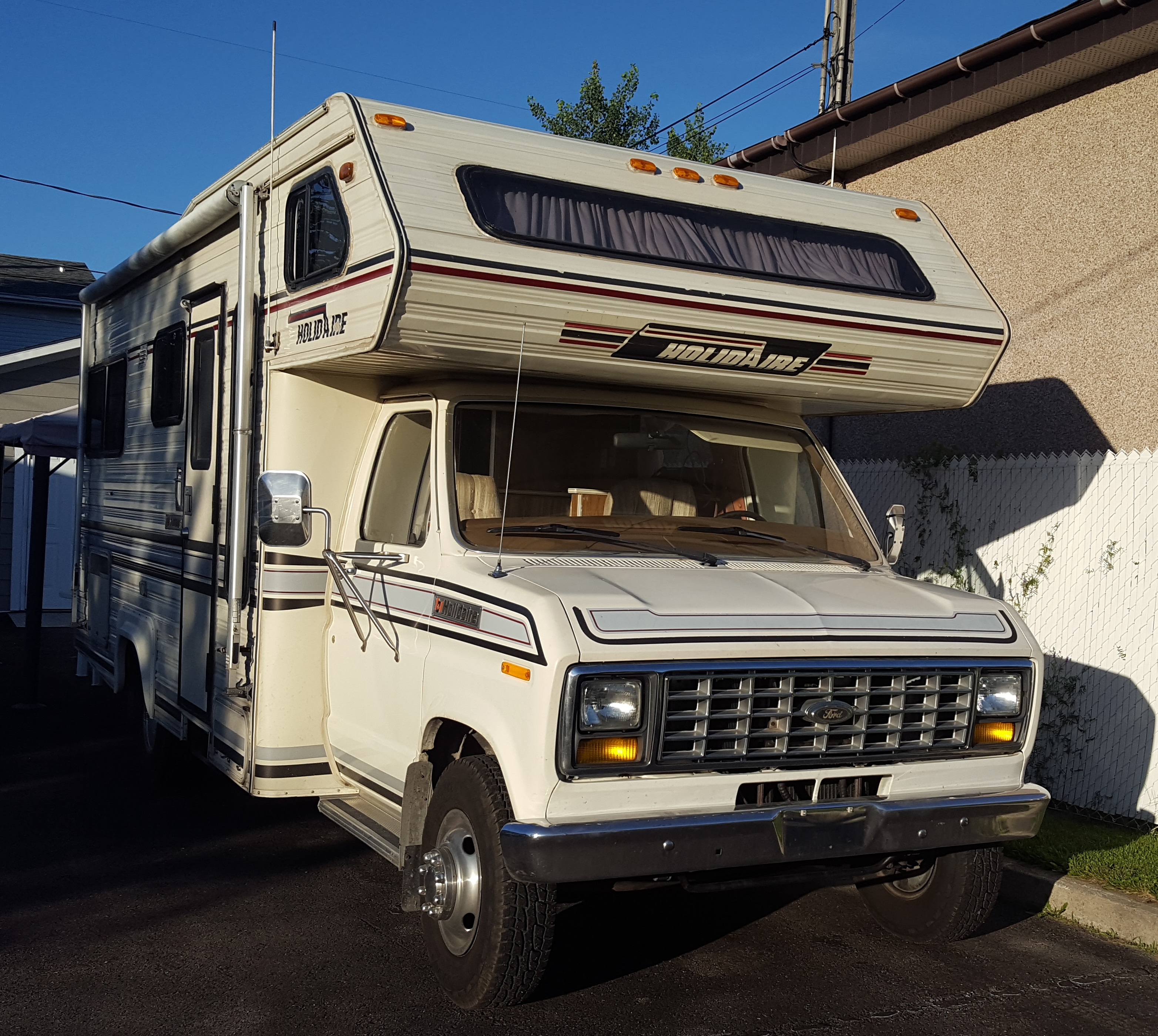 Ford St Eustache >> File Ford Econoline Camper In St Eustache Jpg Wikimedia