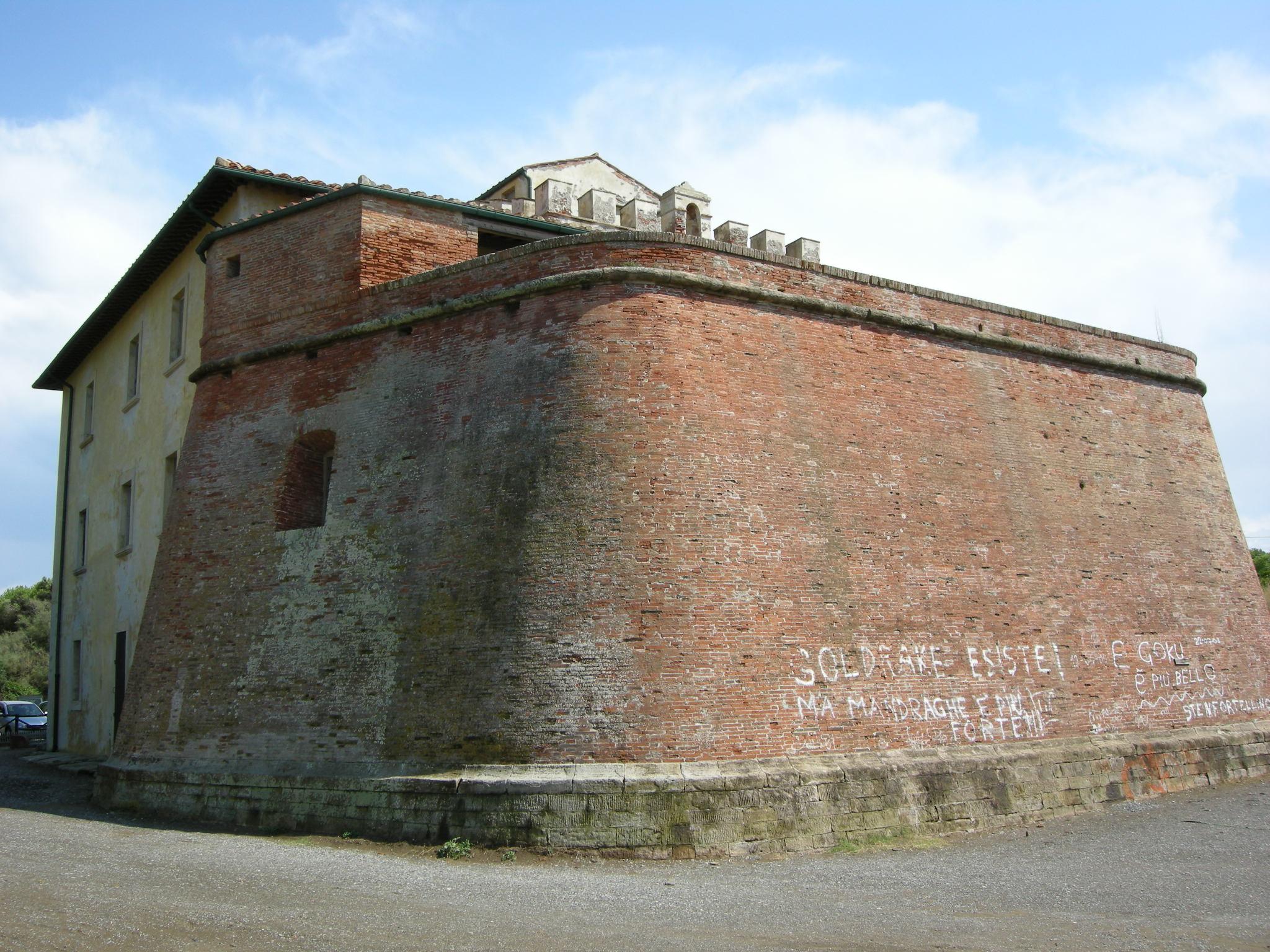 Marina Di Castagneto Italy  city photo : Forte di Marina di Castagneto Marina di Castagneto Carducci, Italy