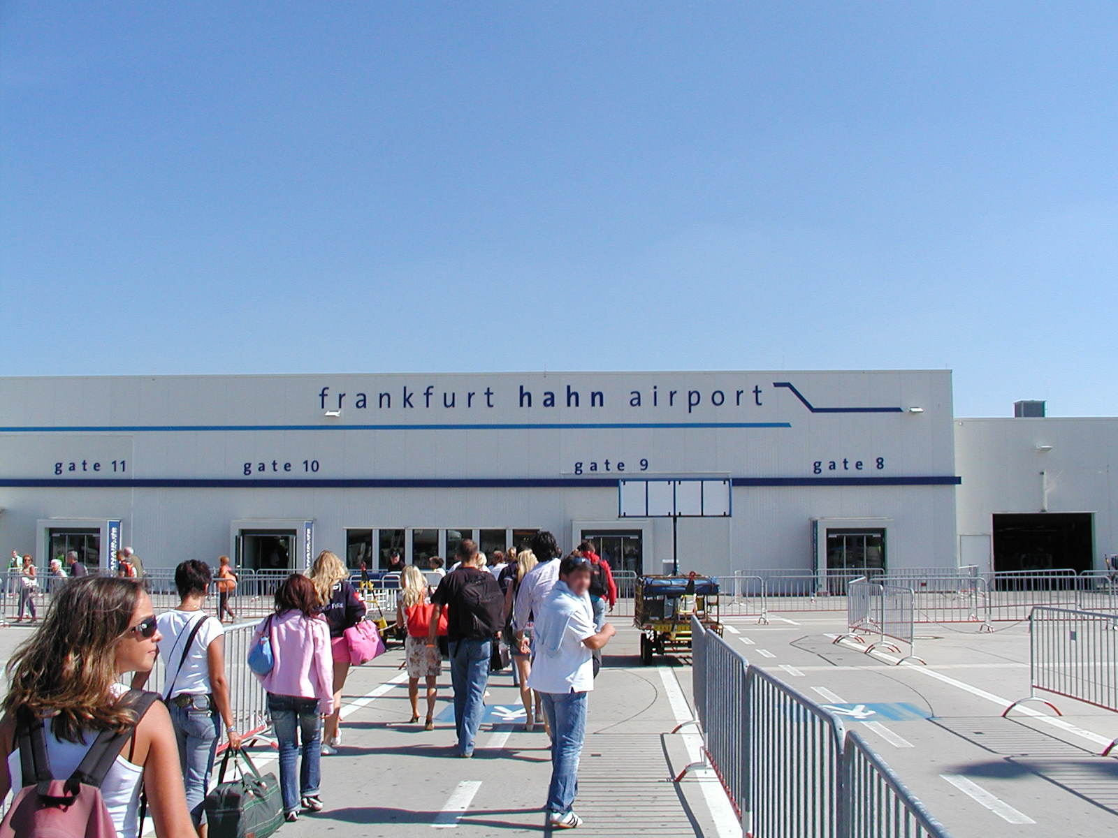 frankfurt hahn flughafen ankunft