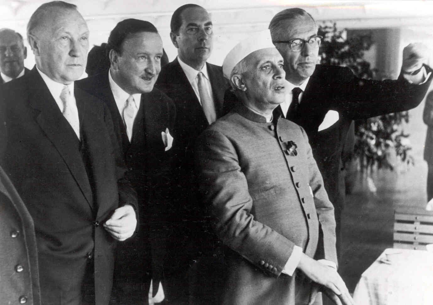quaid e azam says that work work and only work He not only gathered the muslims on the platform of muslim league, who had   pm abbasi said that quaid-e-azam also gave the inhabitants of the  principles  of quaid-e-azam mohammad ali jinnah including hard work,.