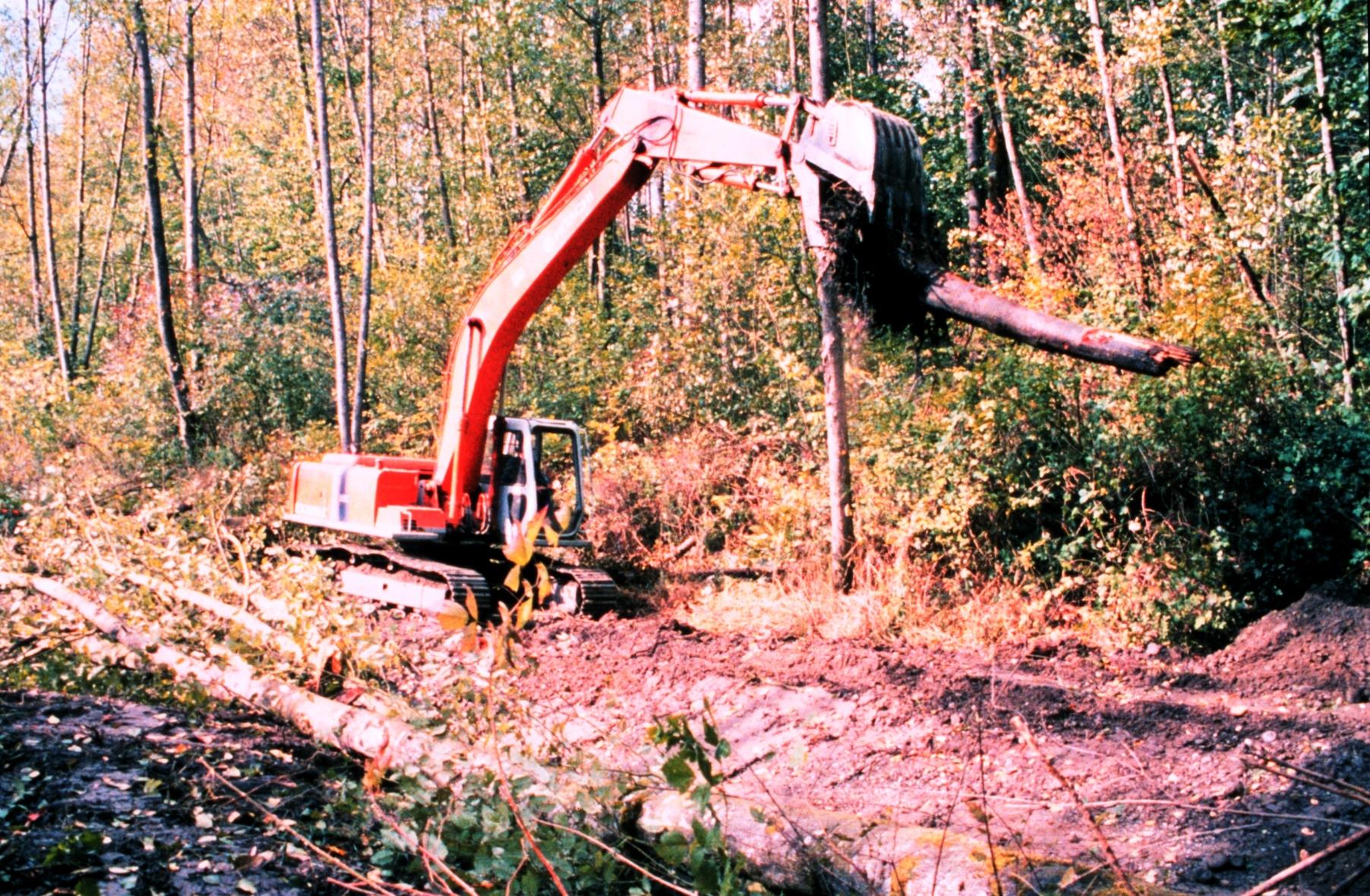 File:Hitachi excavator jpg - Wikimedia Commons