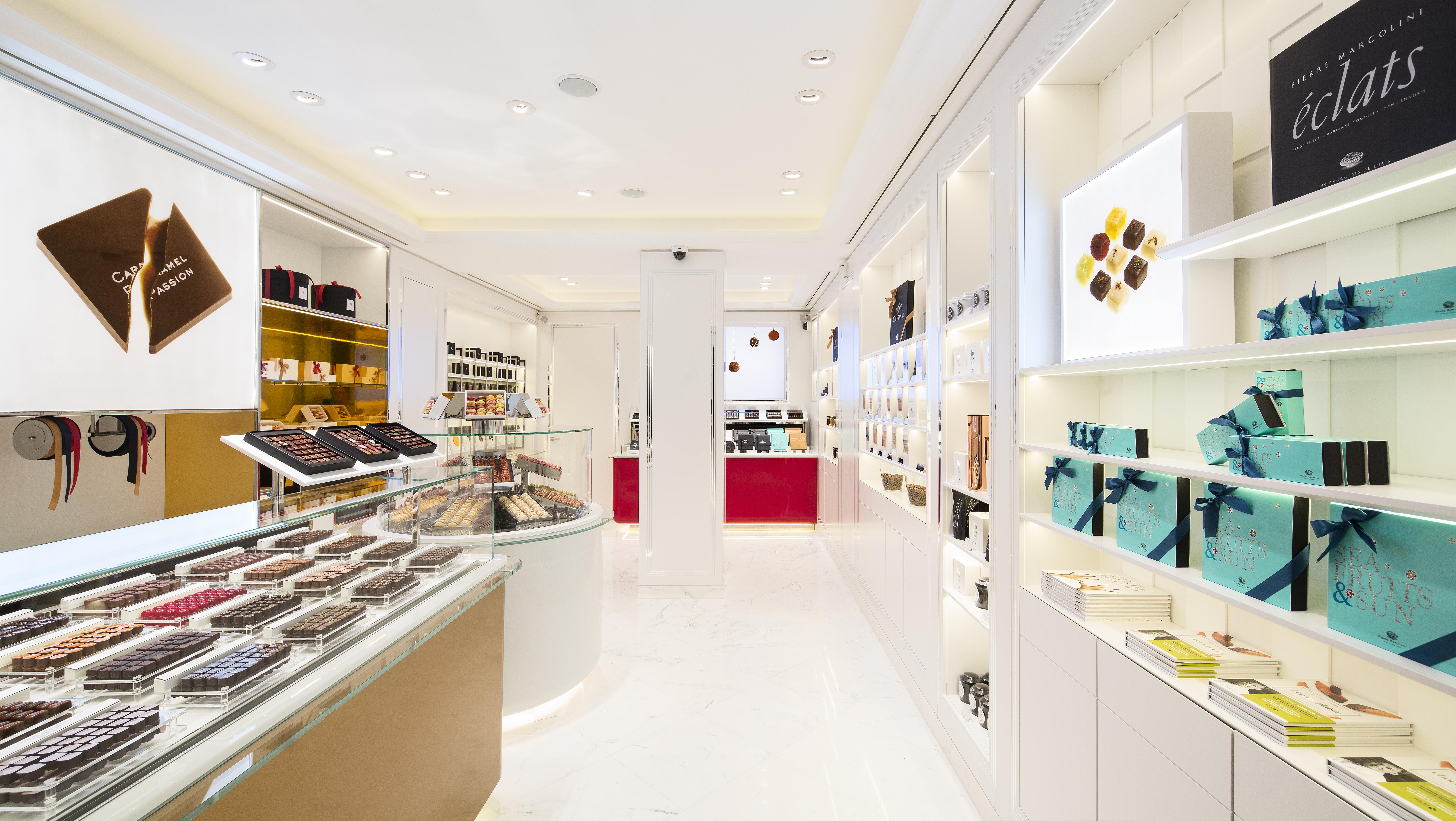 File:Intérieur de la Boutique de Pierre Marcolini à St Honoré, Paris ...