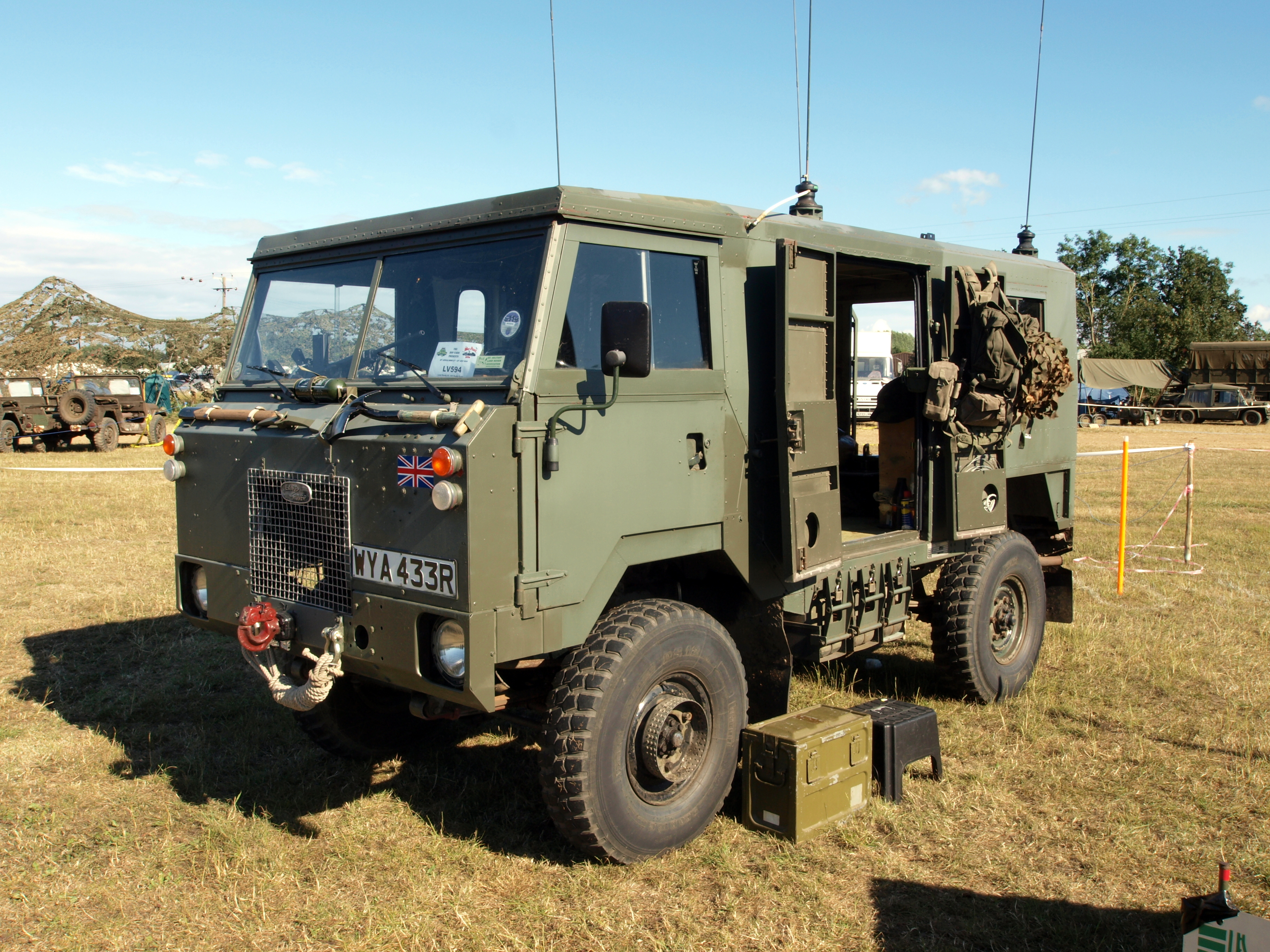 file:land rover 101 forward control pic5 - wikimedia commons