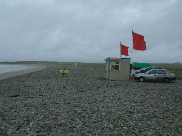 File:Lifeguard Hut at Carrownisky Strand - geograph.org.uk - 237691.jpg