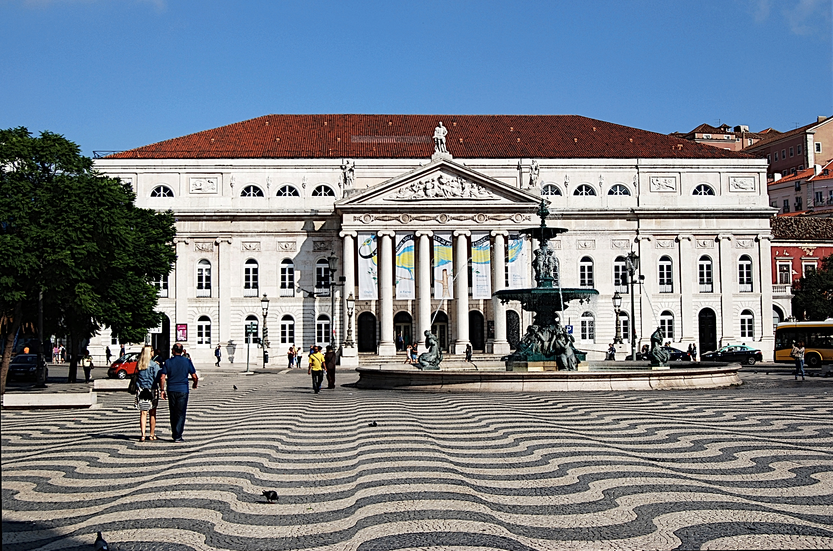 file lissabon rossio nationaltheater 2014 jpg wikimedia commons. Black Bedroom Furniture Sets. Home Design Ideas