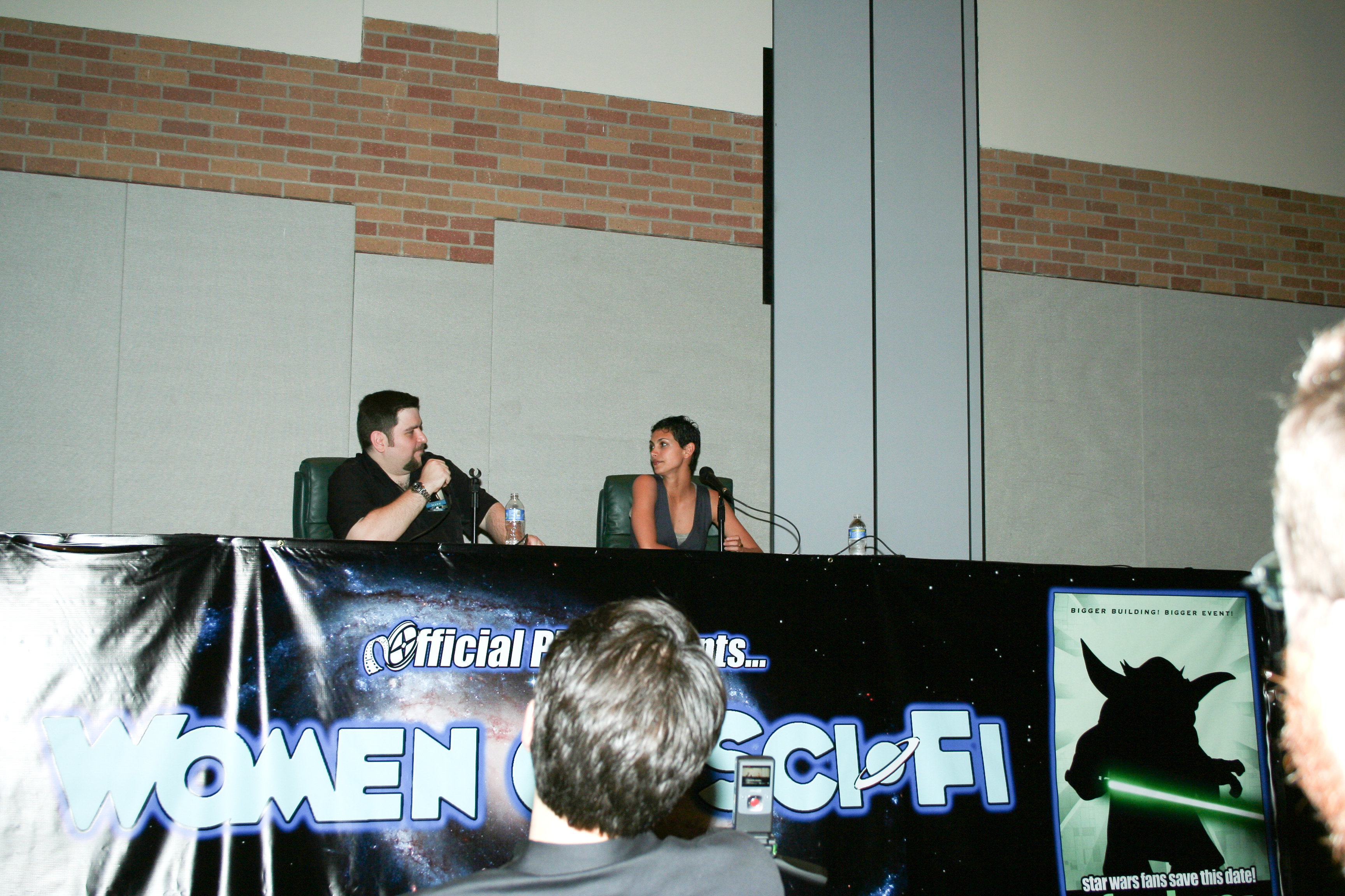 File:Morena Baccarin @ 2011 Sci-Fi Expo 03 jpg - Wikimedia Commons
